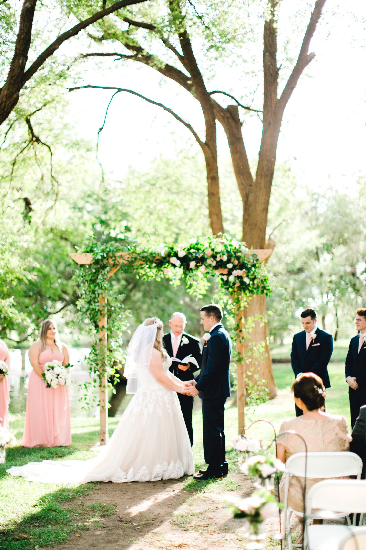 SARAH_AND_GEOFFREY_SHARP_SPIRIT_RANCH_WEDDING_ALLEEJ_LUBBOCK_TX_0075.jpg