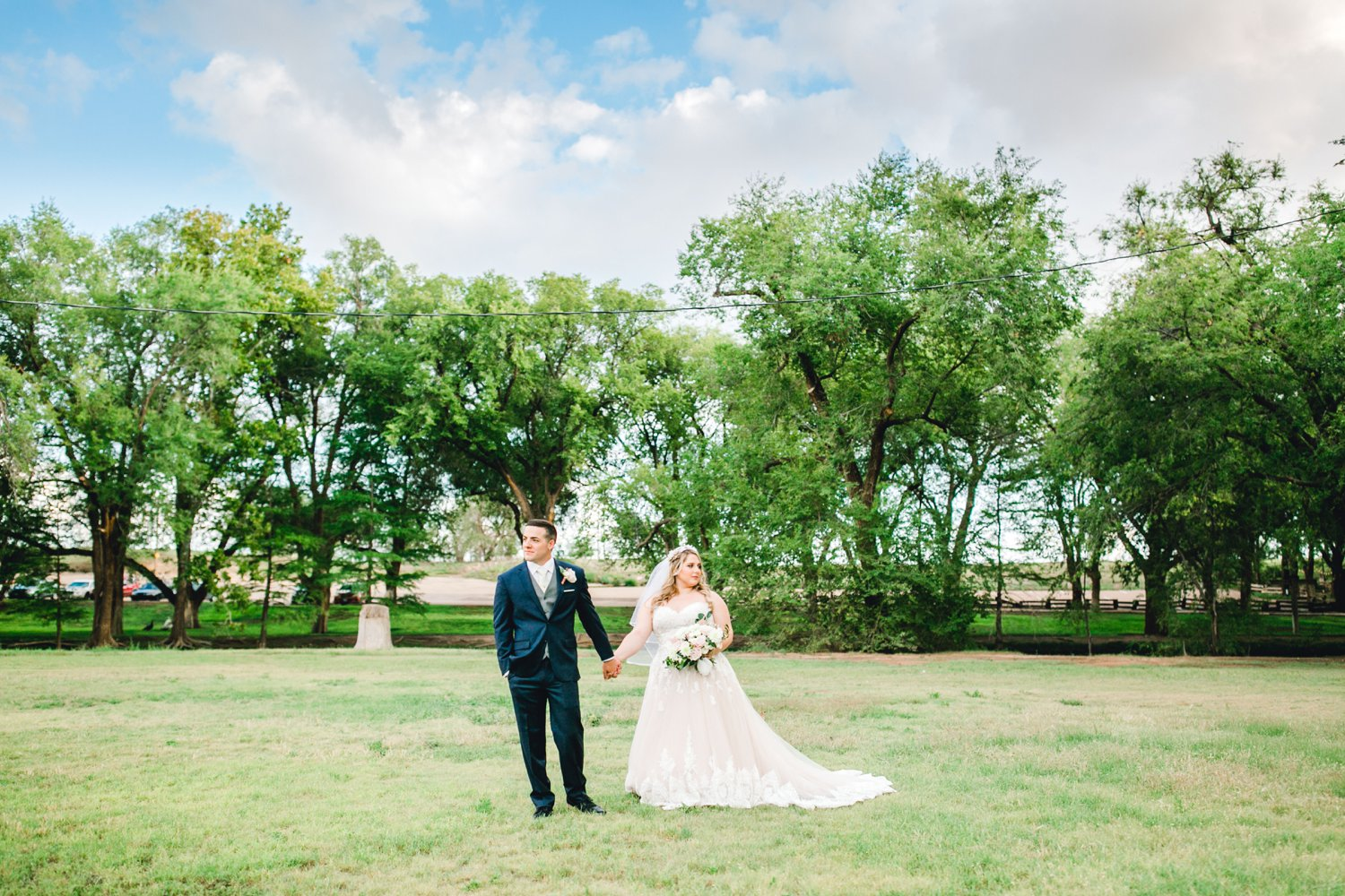 SARAH_AND_GEOFFREY_SHARP_SPIRIT_RANCH_WEDDING_ALLEEJ_LUBBOCK_TX_0105.jpg