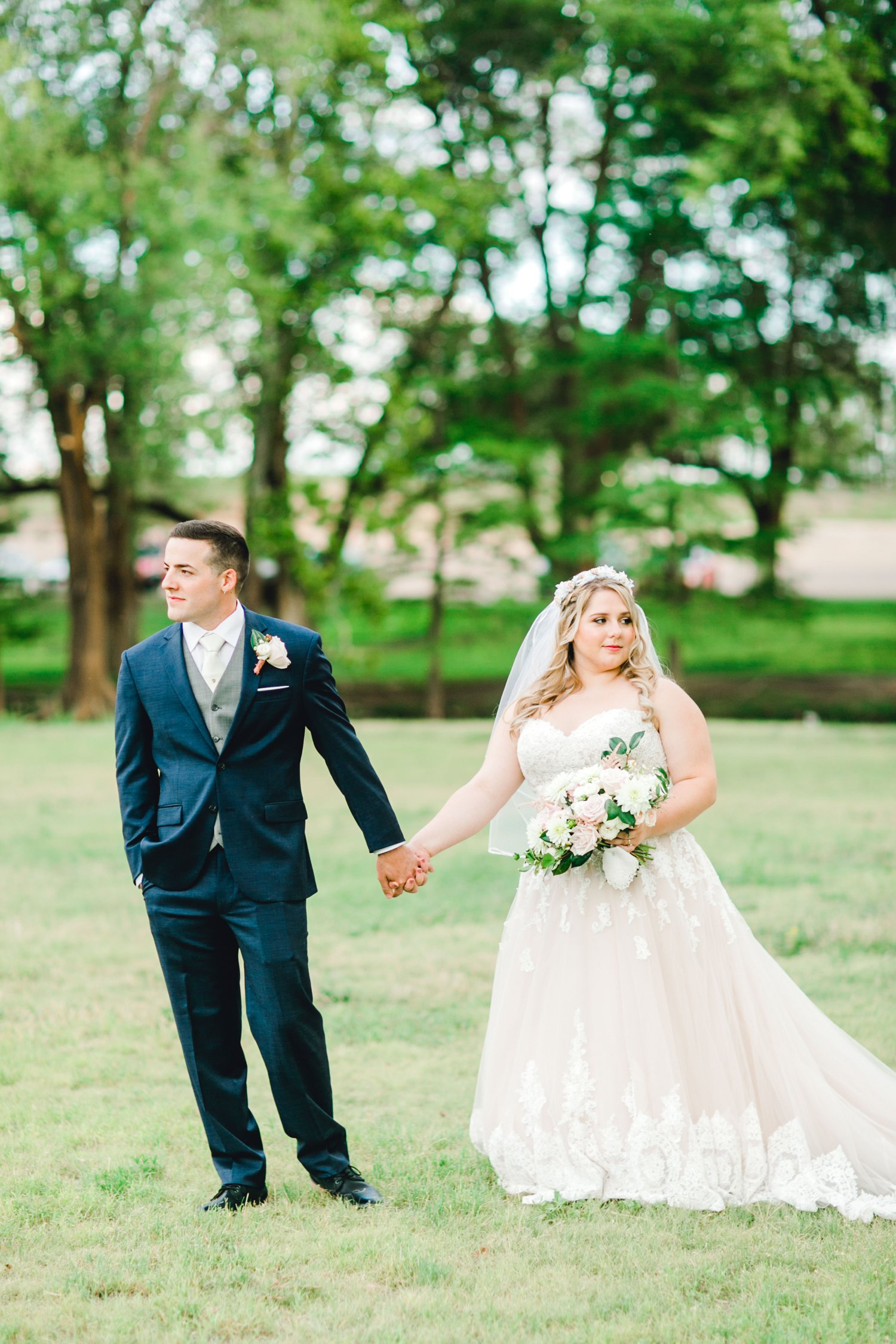 SARAH_AND_GEOFFREY_SHARP_SPIRIT_RANCH_WEDDING_ALLEEJ_LUBBOCK_TX_0113.jpg