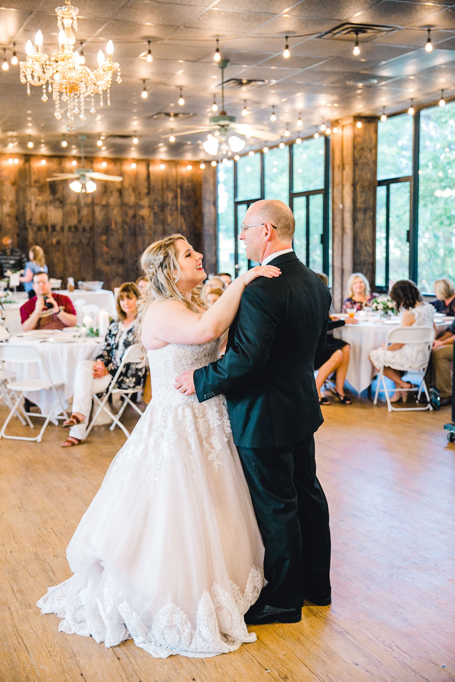 SARAH_AND_GEOFFREY_SHARP_SPIRIT_RANCH_WEDDING_ALLEEJ_LUBBOCK_TX_0139.jpg