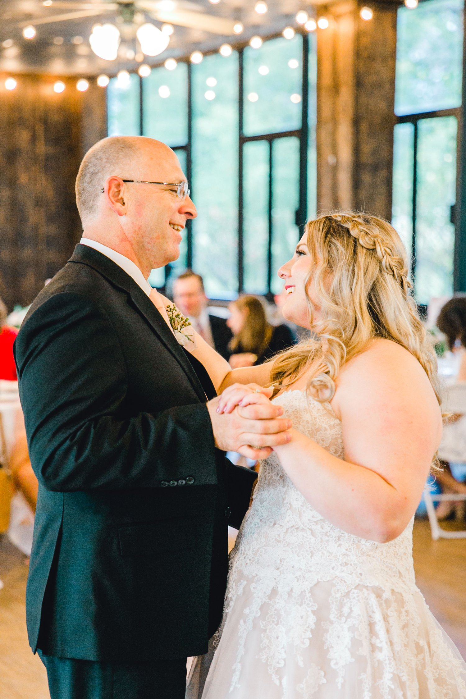 SARAH_AND_GEOFFREY_SHARP_SPIRIT_RANCH_WEDDING_ALLEEJ_LUBBOCK_TX_0141.jpg