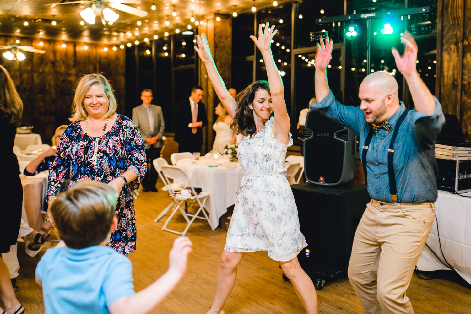 SARAH_AND_GEOFFREY_SHARP_SPIRIT_RANCH_WEDDING_ALLEEJ_LUBBOCK_TX_0169.jpg