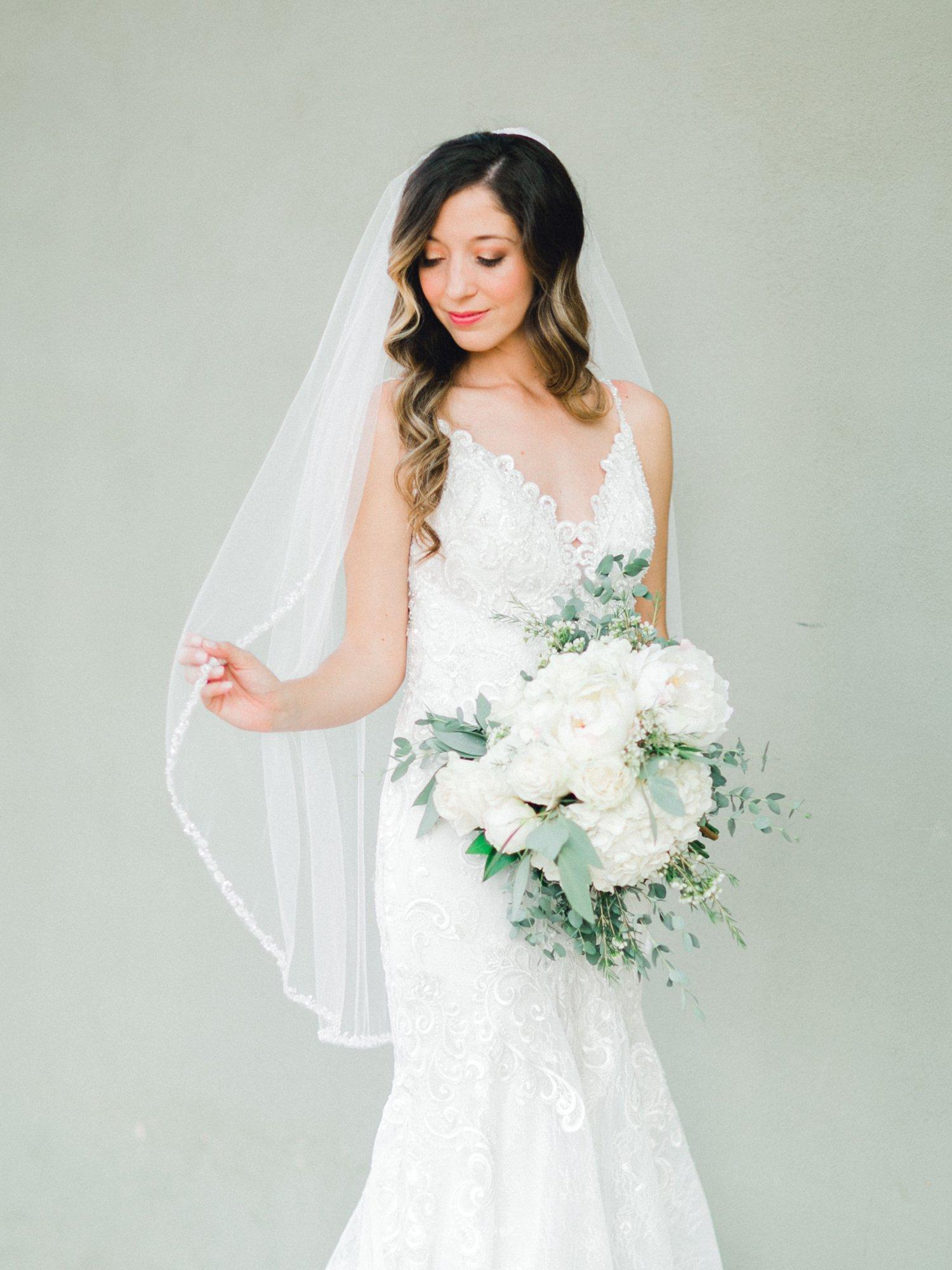 Ashley_Parr_Bridals_ALLEEJ_caprock_winery_romantic_elegant0002.jpg