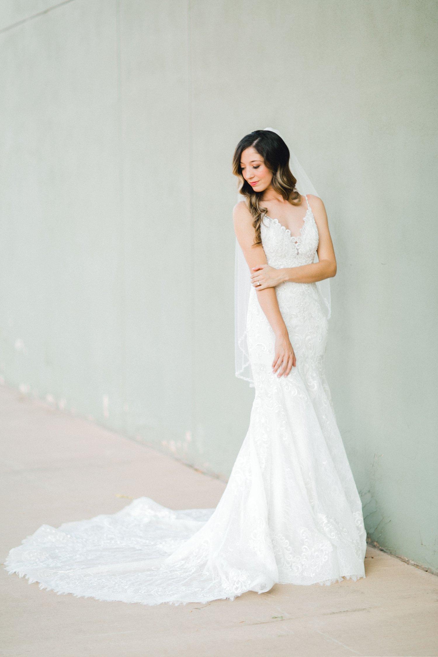 Ashley_Parr_Bridals_ALLEEJ_caprock_winery_romantic_elegant0007.jpg