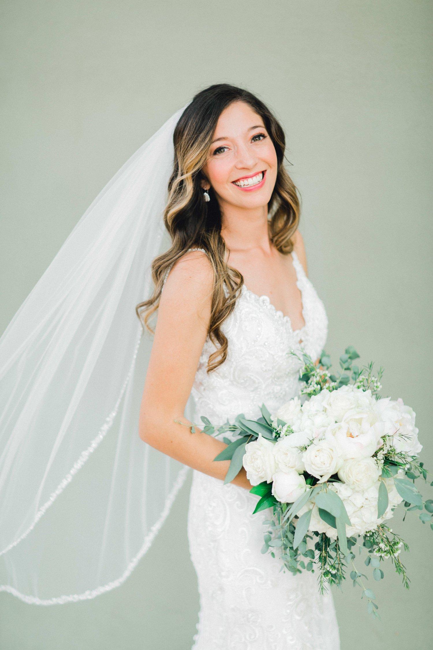 Ashley_Parr_Bridals_ALLEEJ_caprock_winery_romantic_elegant0008.jpg