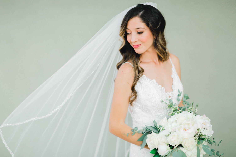 Ashley_Parr_Bridals_ALLEEJ_caprock_winery_romantic_elegant0010.jpg