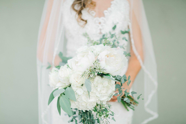 Ashley_Parr_Bridals_ALLEEJ_caprock_winery_romantic_elegant0012.jpg