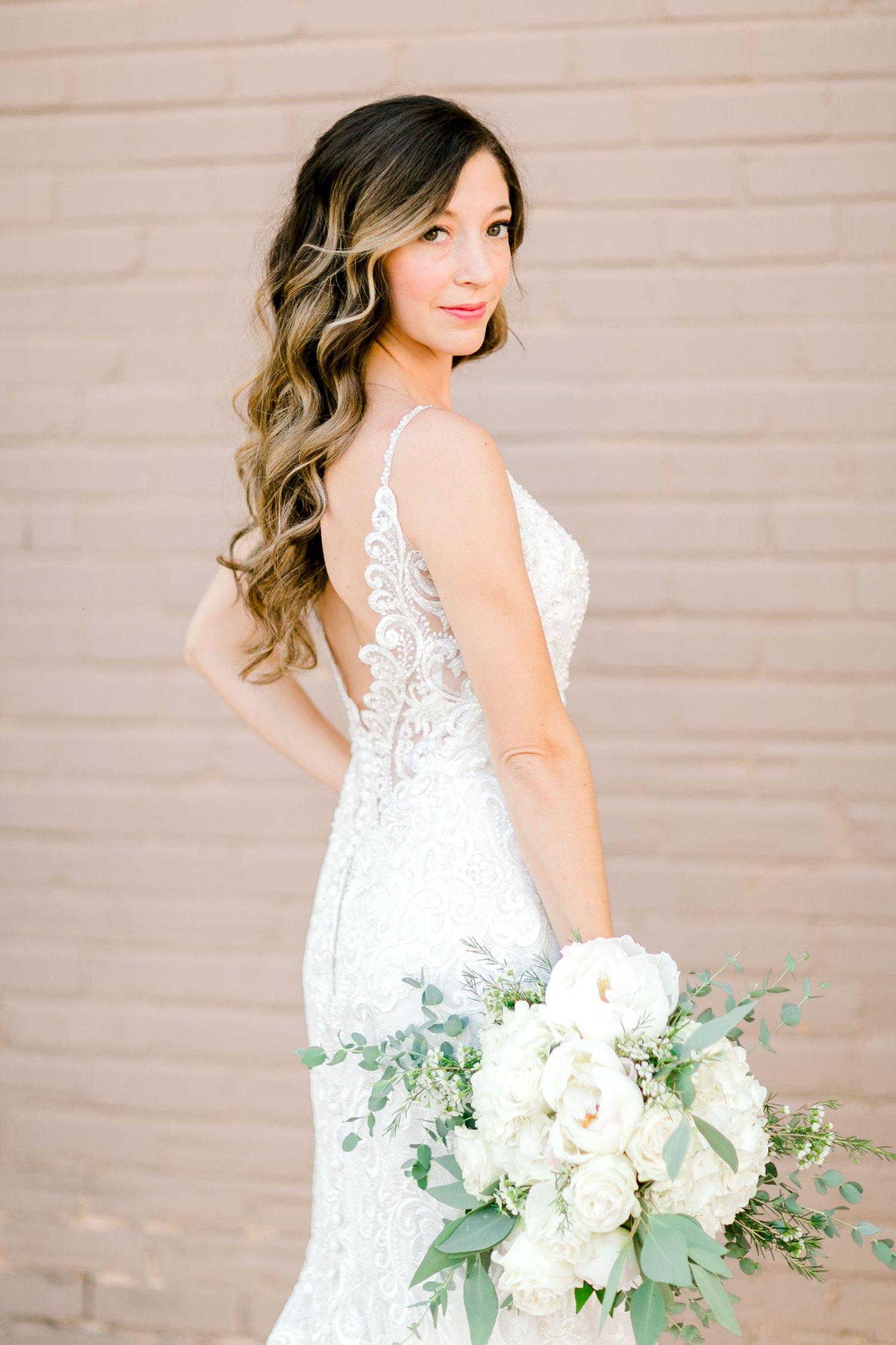Ashley_Parr_Bridals_ALLEEJ_caprock_winery_romantic_elegant0011.jpg