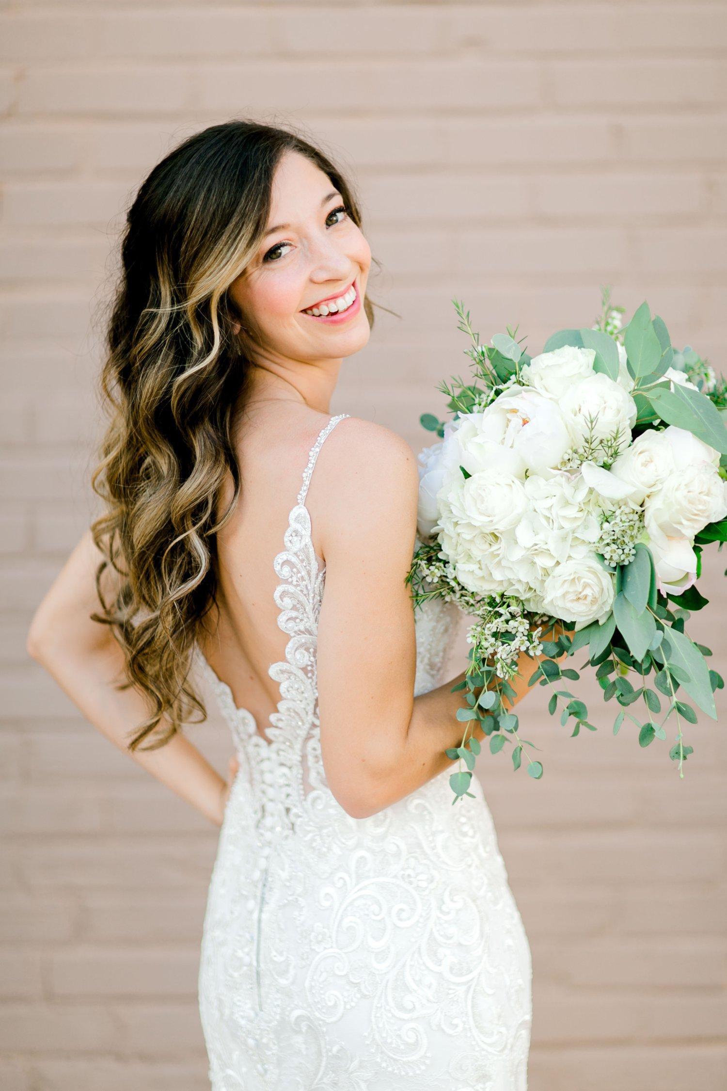 Ashley_Parr_Bridals_ALLEEJ_caprock_winery_romantic_elegant0014.jpg