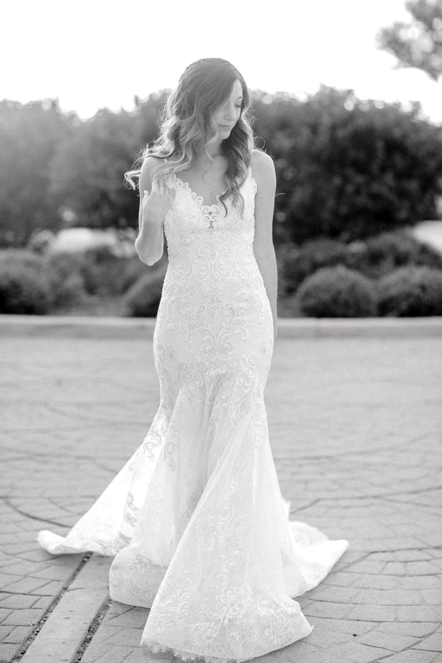 Ashley_Parr_Bridals_ALLEEJ_caprock_winery_romantic_elegant0016.jpg