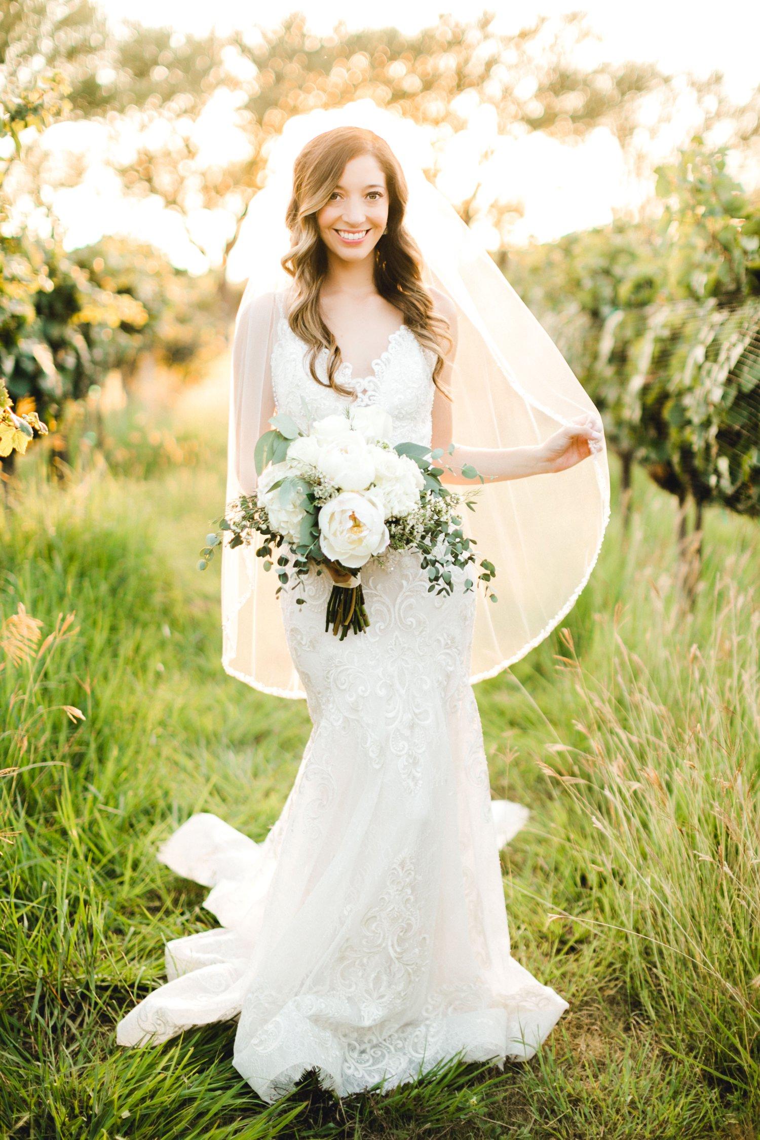Ashley_Parr_Bridals_ALLEEJ_caprock_winery_romantic_elegant0018.jpg