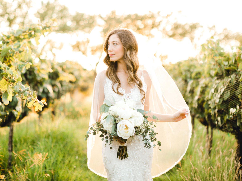 Ashley_Parr_Bridals_ALLEEJ_caprock_winery_romantic_elegant0021.jpg