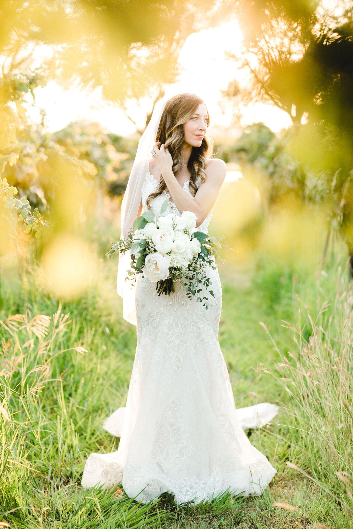 Ashley_Parr_Bridals_ALLEEJ_caprock_winery_romantic_elegant0020.jpg