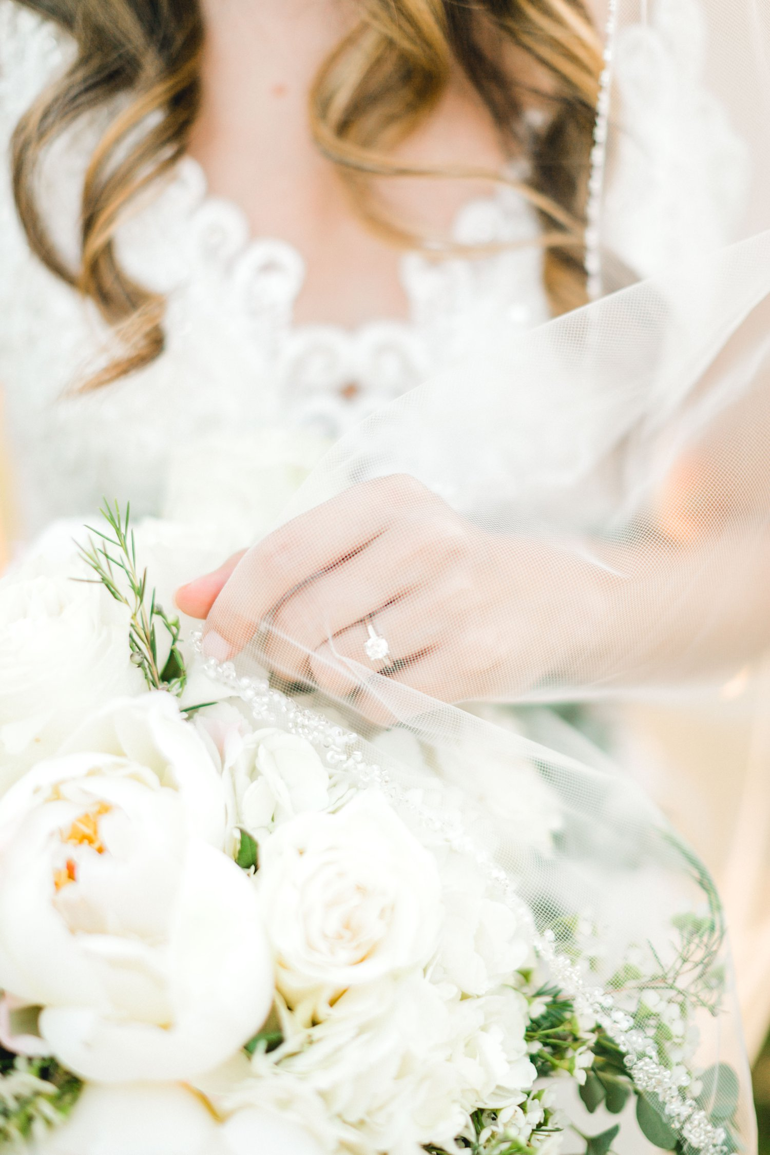 Ashley_Parr_Bridals_ALLEEJ_caprock_winery_romantic_elegant0022.jpg