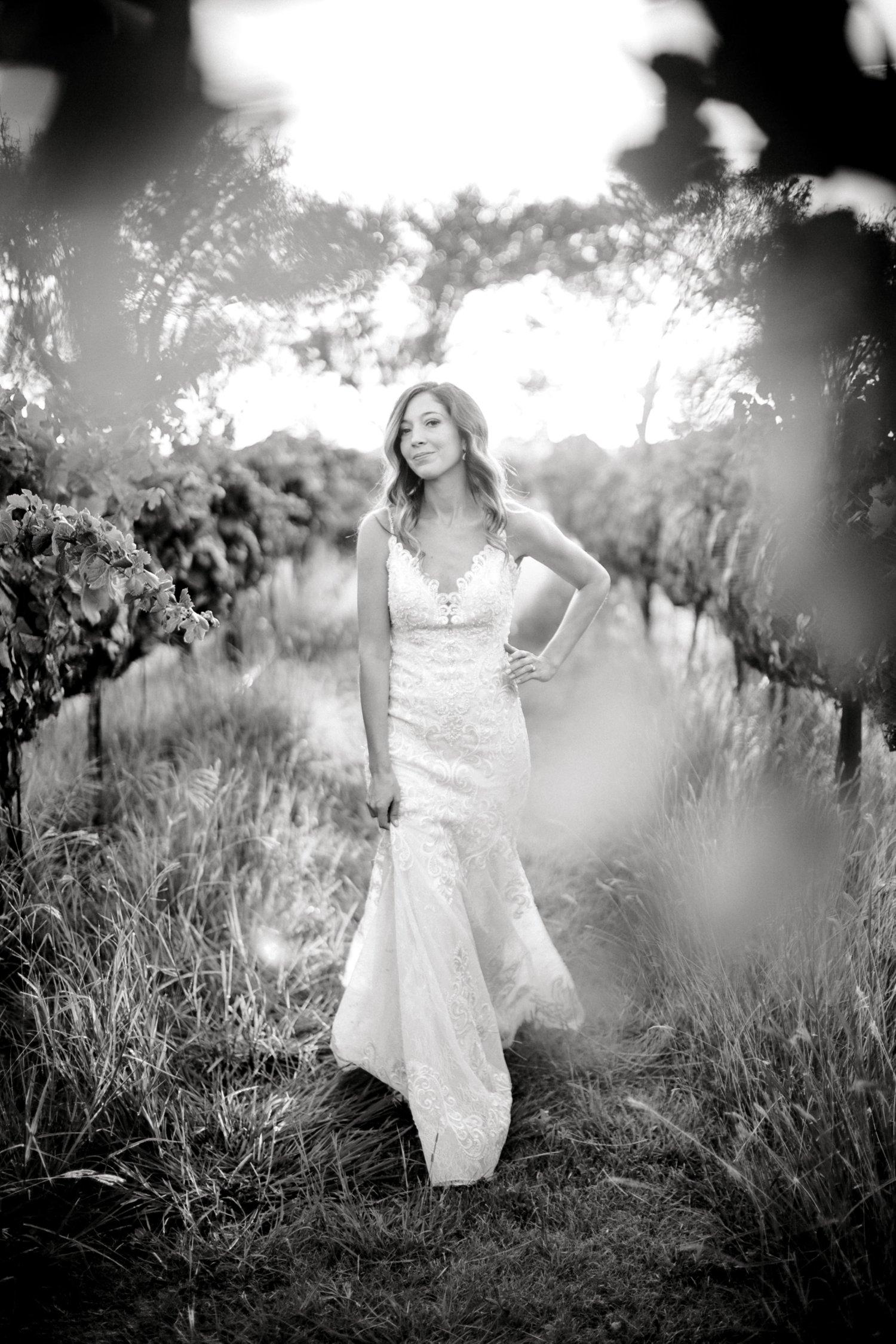 Ashley_Parr_Bridals_ALLEEJ_caprock_winery_romantic_elegant0030.jpg
