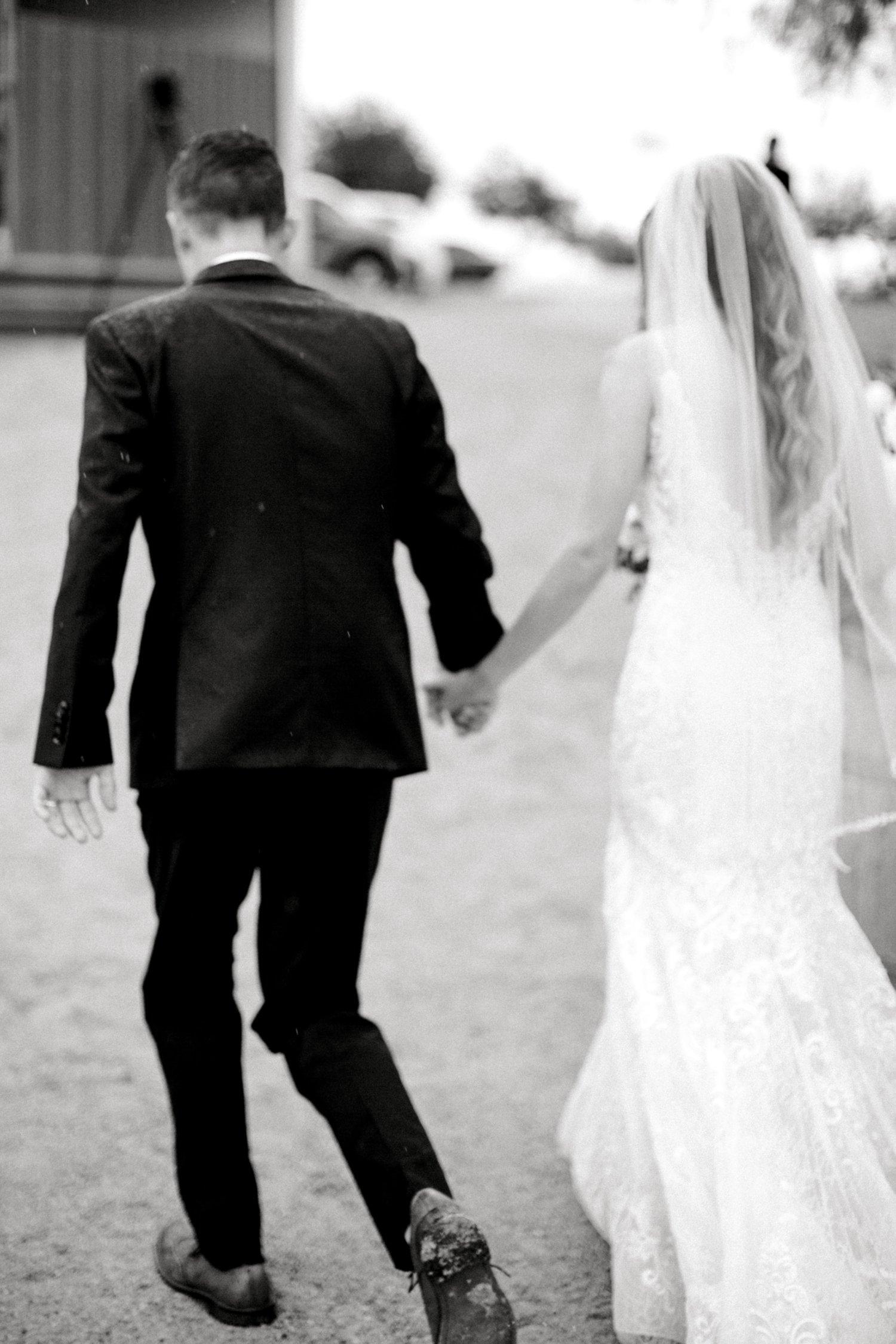 Ashley_John_English_Elegant_Texas_Wedding_Outdoors_Ranch_Caprock_Winery_ALLEEJ_0149.jpg