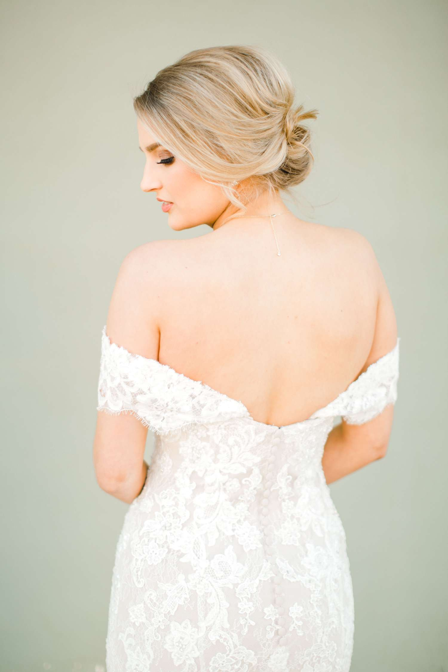 MORGAN+BOONE+BRIDALS+WEDDING+PHOTOGRAPHER_0004.jpg