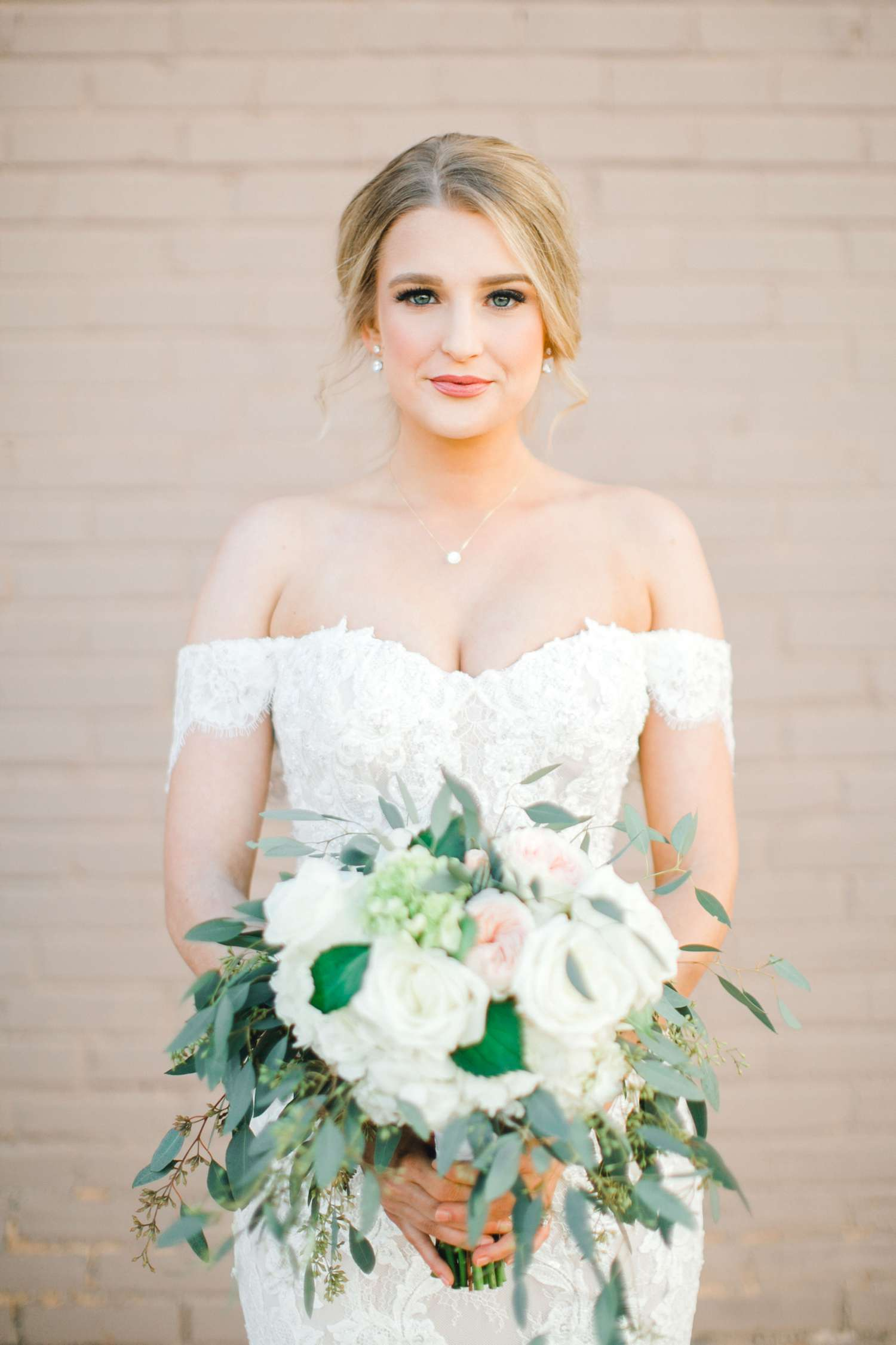 MORGAN+BOONE+BRIDALS+WEDDING+PHOTOGRAPHER_0011.jpg