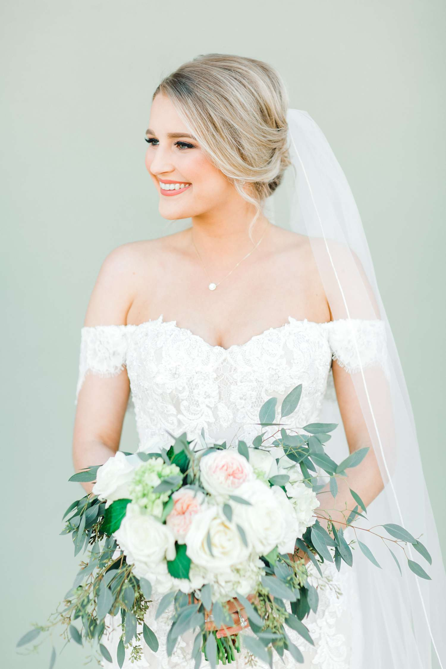 MORGAN+BOONE+BRIDALS+WEDDING+PHOTOGRAPHER_0020.jpg