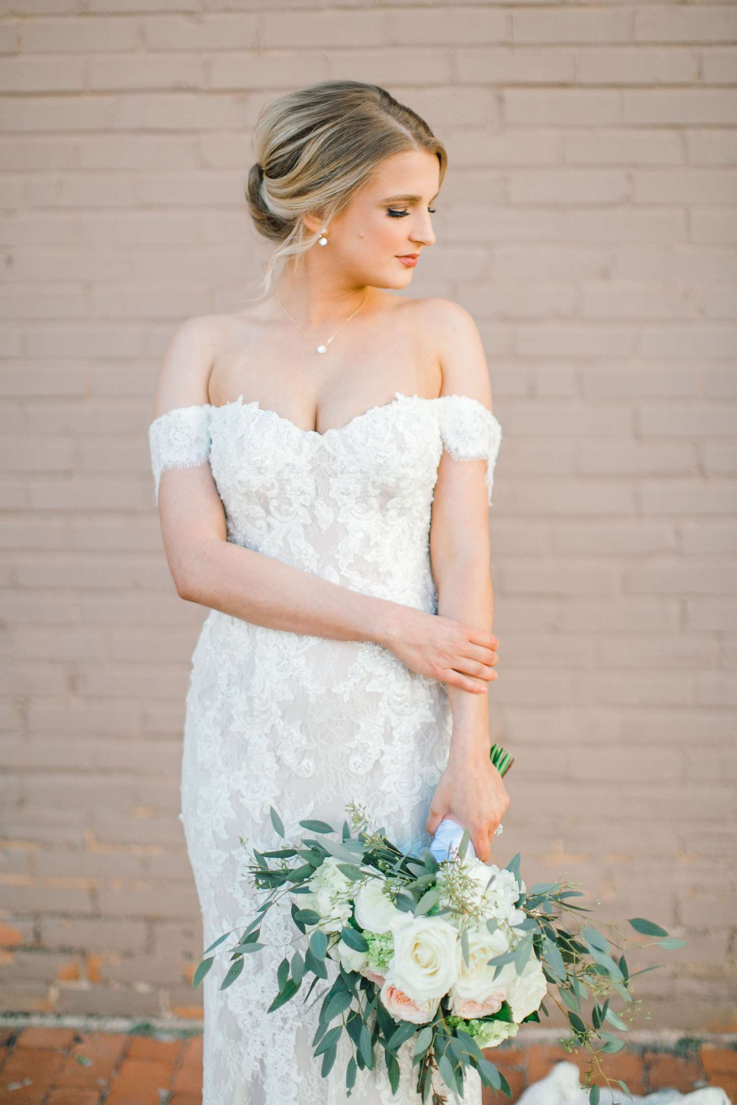 MORGAN+BOONE+BRIDALS+WEDDING+PHOTOGRAPHER_0023.jpg