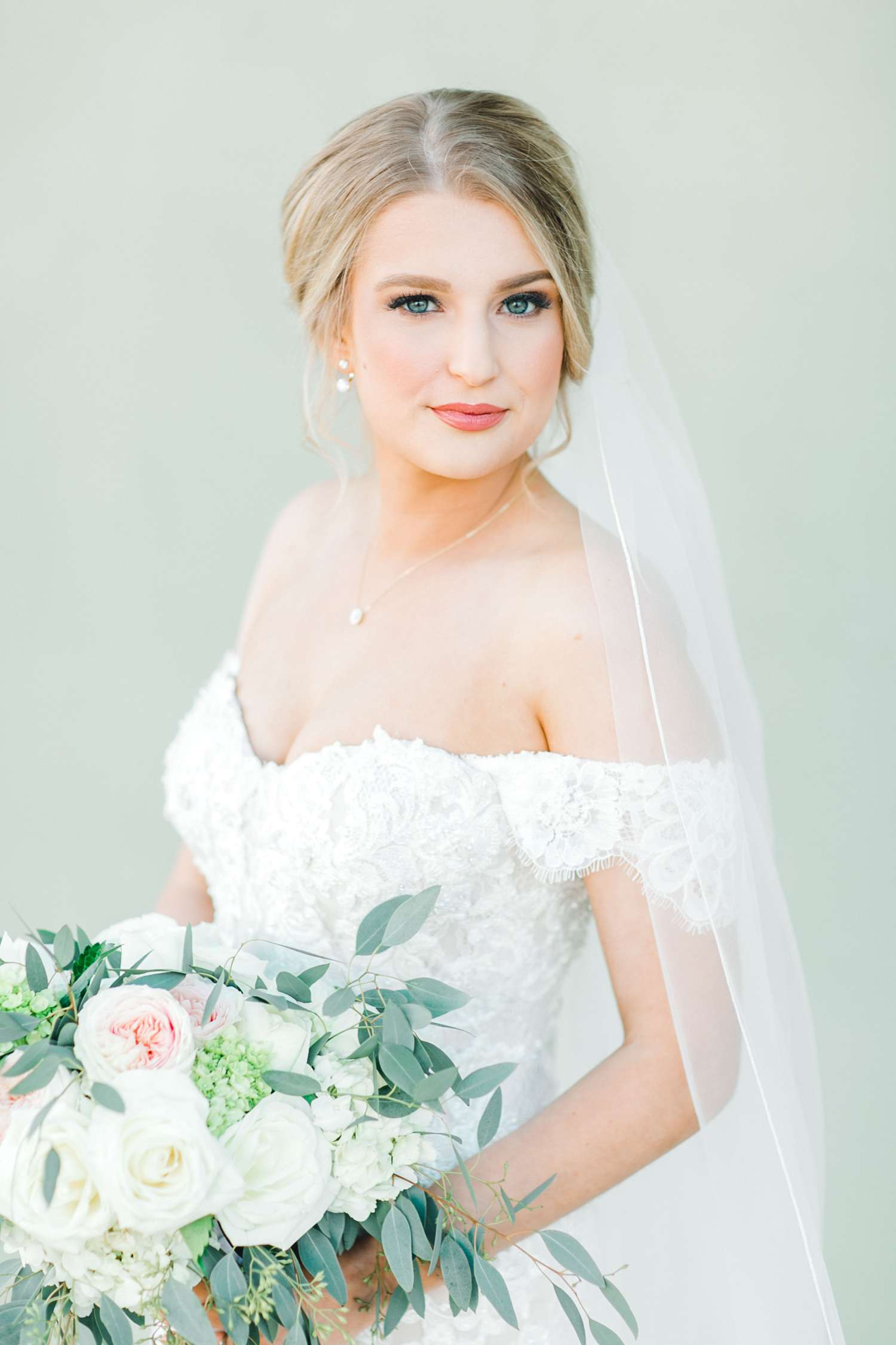 MORGAN+BOONE+BRIDALS+WEDDING+PHOTOGRAPHER_0024.jpg