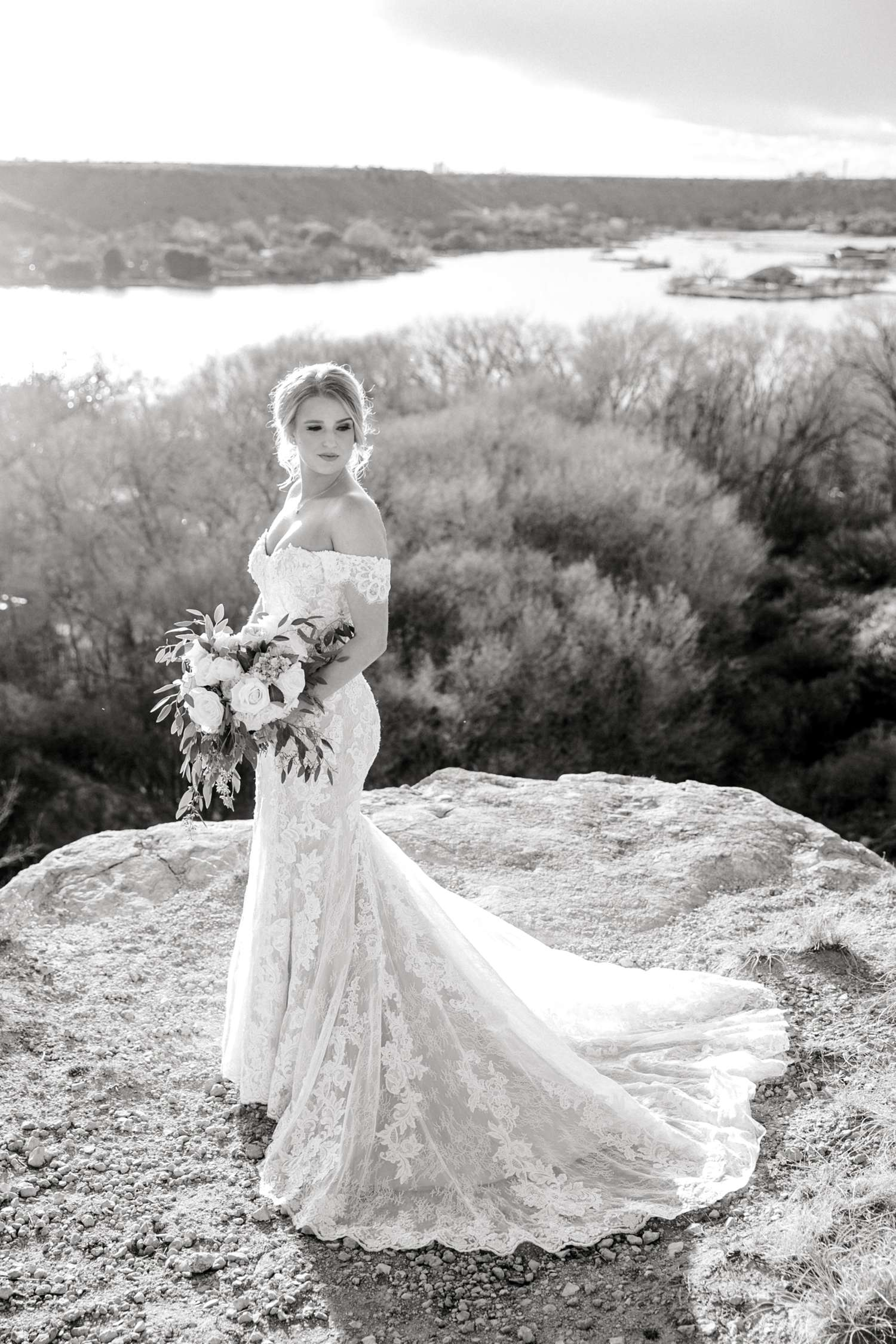 MORGAN+BOONE+BRIDALS+WEDDING+PHOTOGRAPHER_0028.jpg