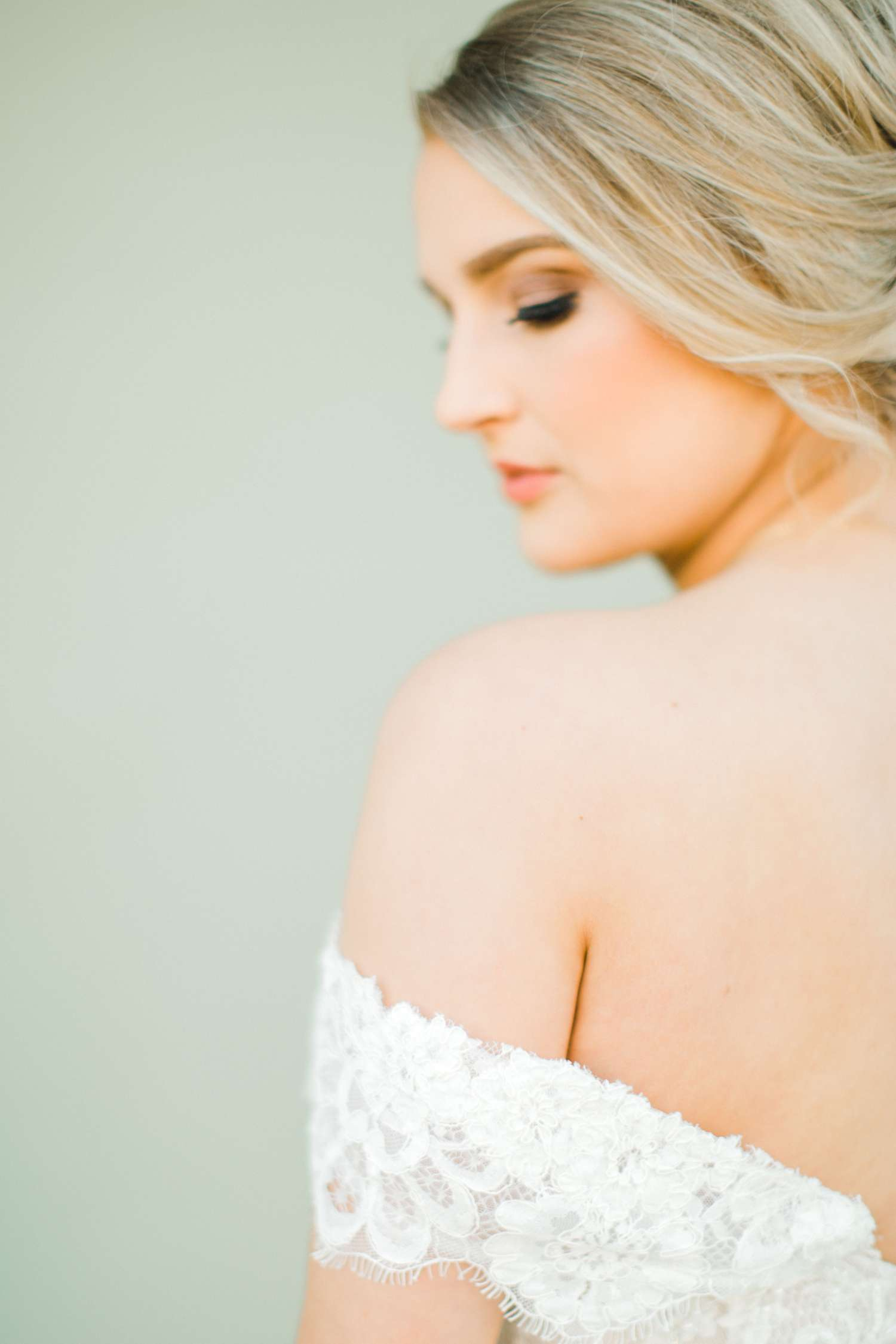 MORGAN+BOONE+BRIDALS+WEDDING+PHOTOGRAPHER_0031.jpg