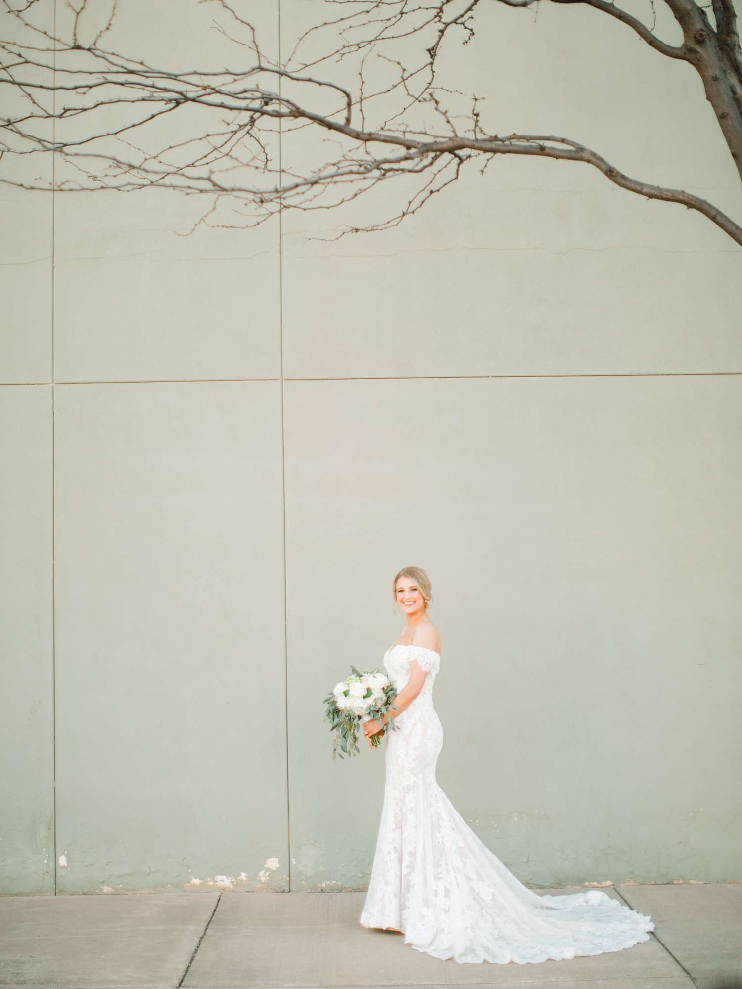 MORGAN+BOONE+BRIDALS+WEDDING+PHOTOGRAPHER_0033.jpg