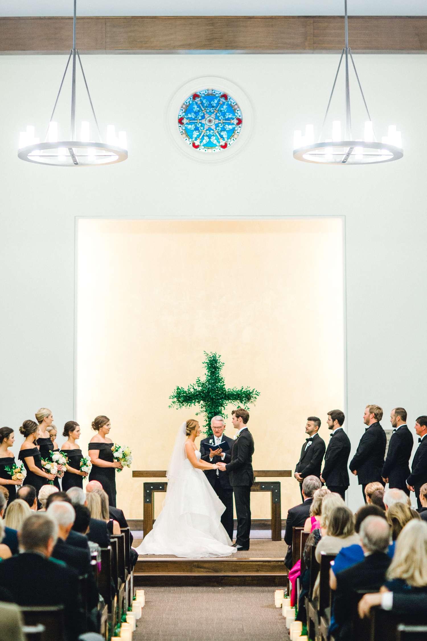 MARLEE+LLOYD+MORGAN+ALLEEJ+TEXAS+TECH+MERKET+ALUMNI+WEDDINGS+LUBBOCK+WEST+TABLE+CLASSIC+SPAIN_0175.jpg