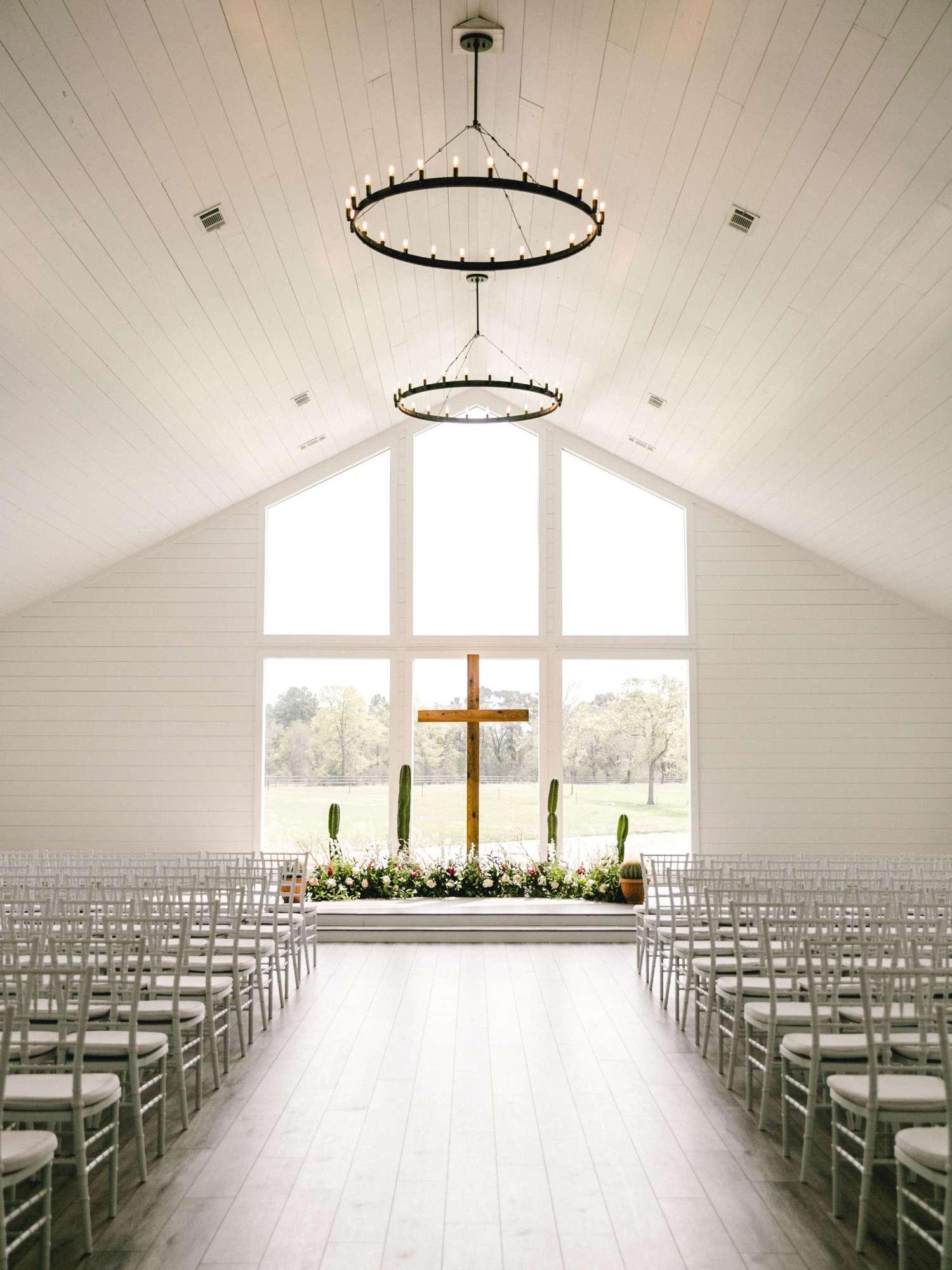 HEBERT_MORGAN_AND_CLAY_ALLEEJ_THE_FARMHOUSE_MONTGOMERY_TEXAS_WEDDING_0066.jpg