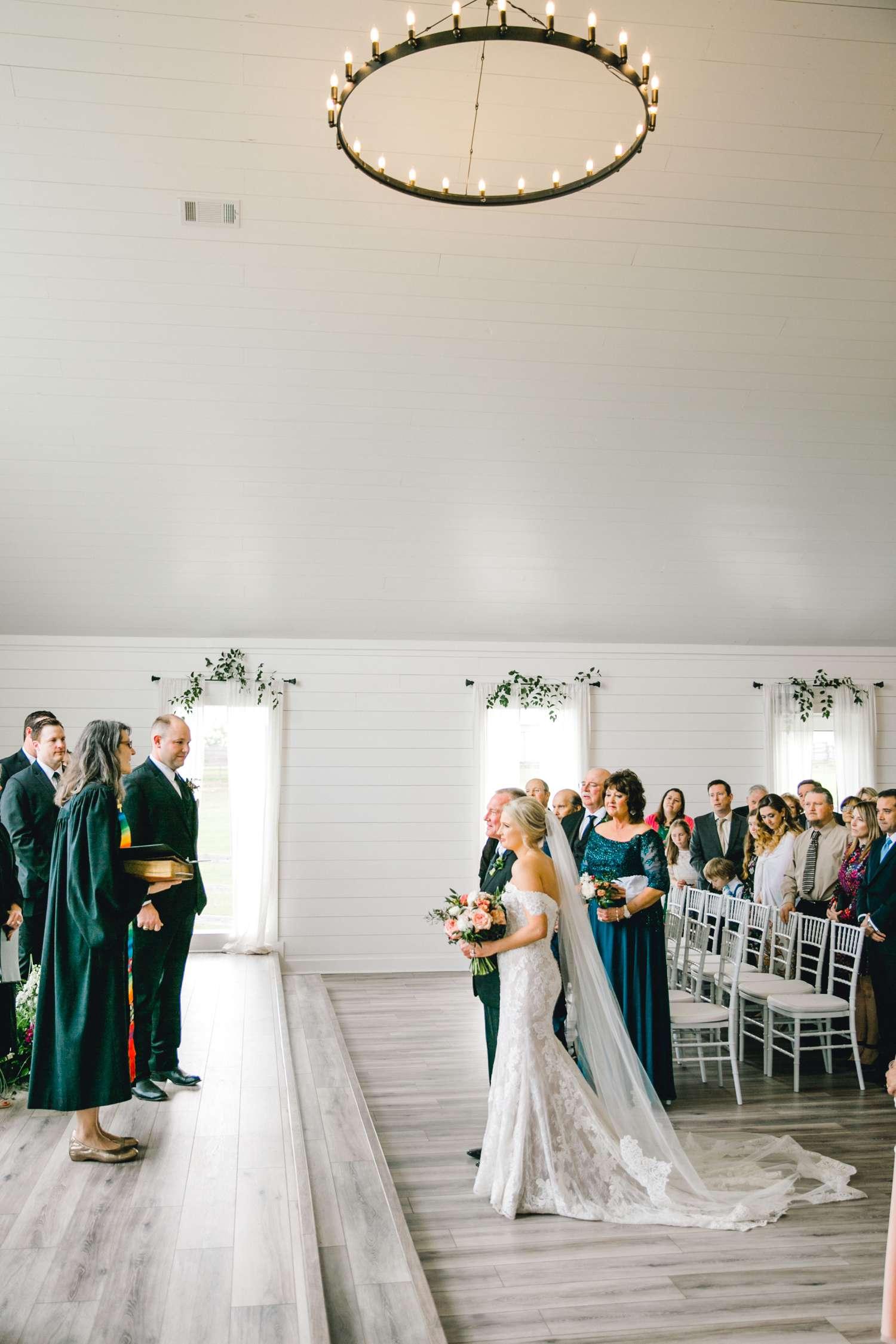 HEBERT_MORGAN_AND_CLAY_ALLEEJ_THE_FARMHOUSE_MONTGOMERY_TEXAS_WEDDING_0083.jpg