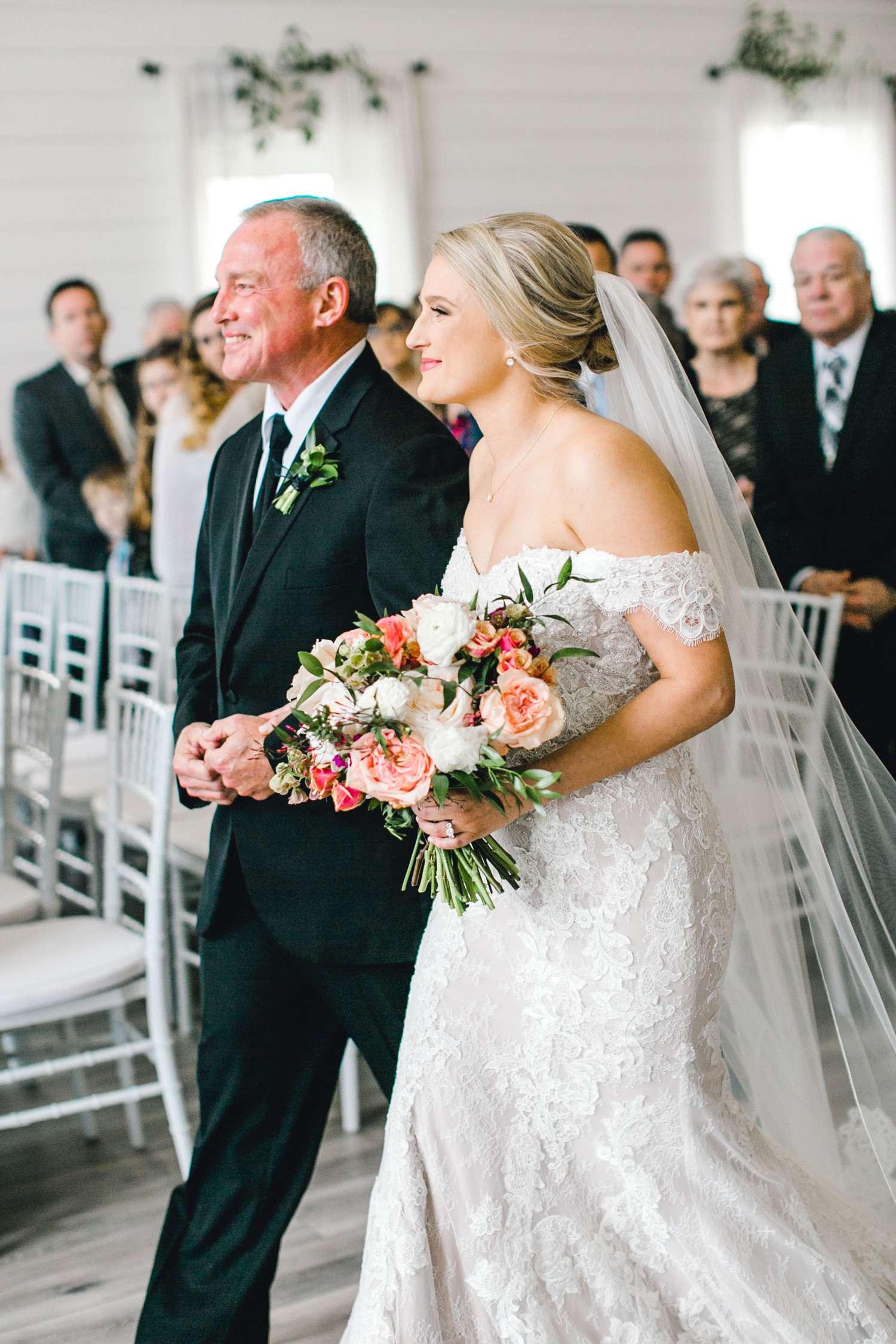 HEBERT_MORGAN_AND_CLAY_ALLEEJ_THE_FARMHOUSE_MONTGOMERY_TEXAS_WEDDING_0082.jpg