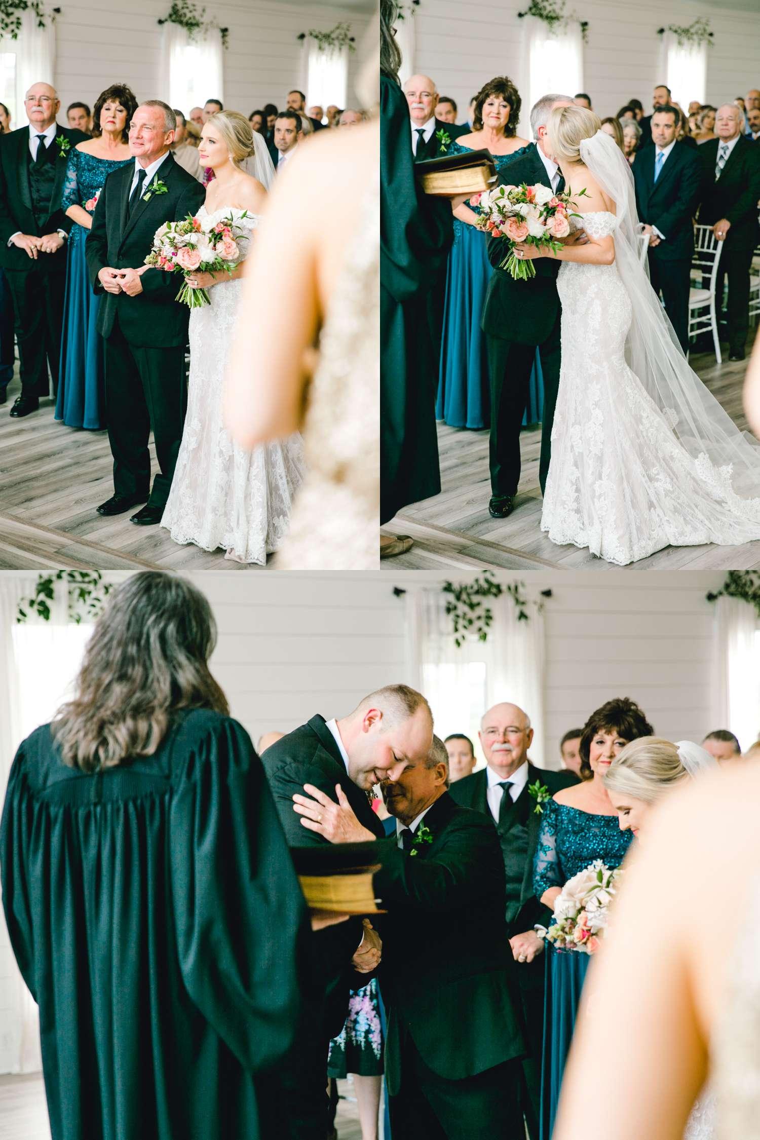 HEBERT_MORGAN_AND_CLAY_ALLEEJ_THE_FARMHOUSE_MONTGOMERY_TEXAS_WEDDING_0084.jpg