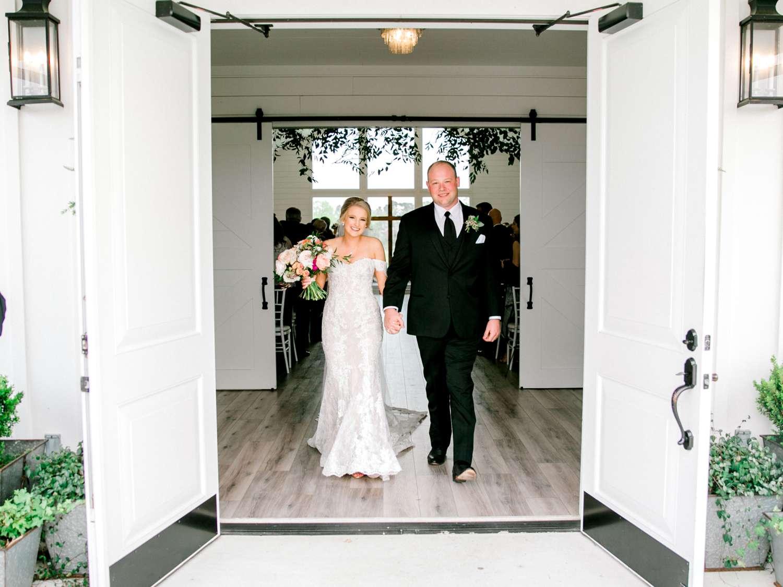 HEBERT_MORGAN_AND_CLAY_ALLEEJ_THE_FARMHOUSE_MONTGOMERY_TEXAS_WEDDING_0113.jpg