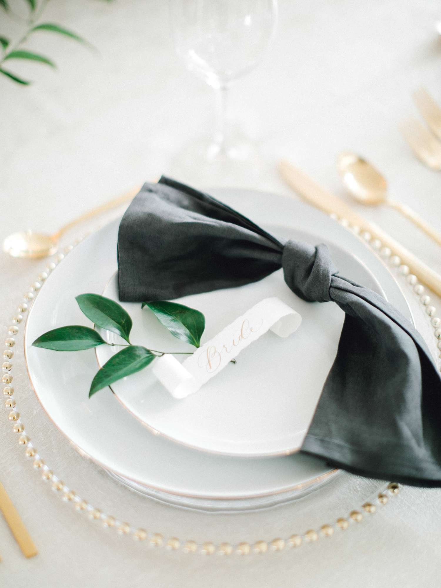 HEBERT_MORGAN_AND_CLAY_ALLEEJ_THE_FARMHOUSE_MONTGOMERY_TEXAS_WEDDING_0121.jpg