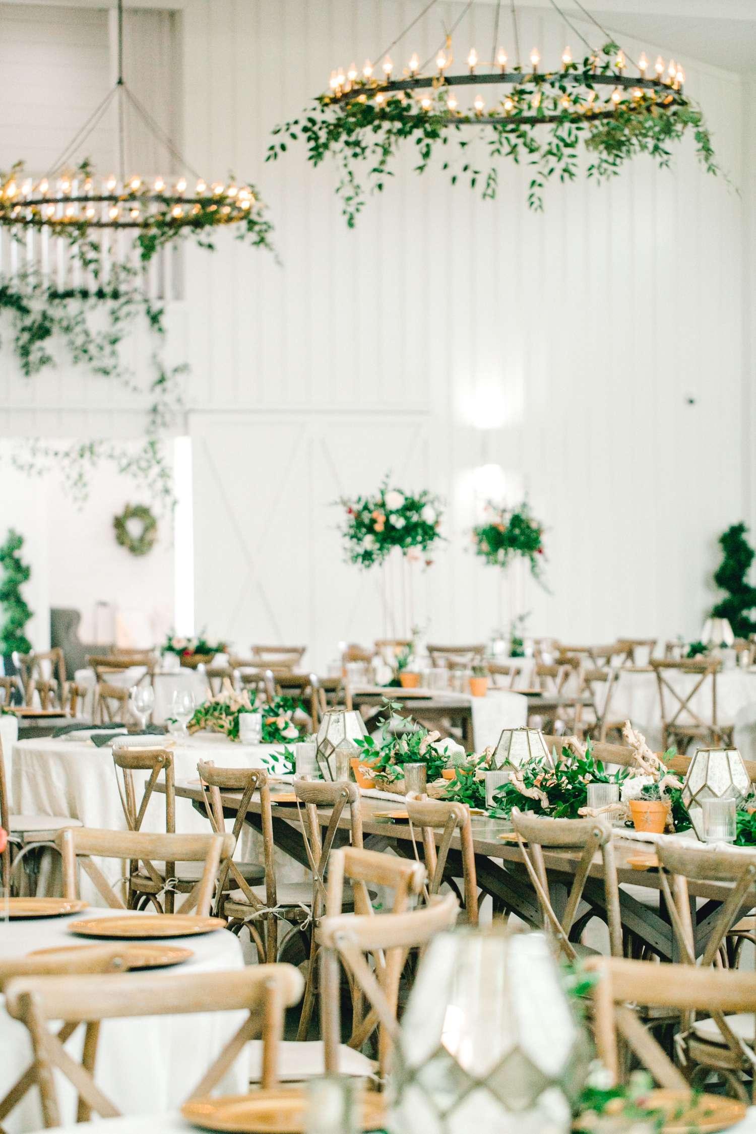 HEBERT_MORGAN_AND_CLAY_ALLEEJ_THE_FARMHOUSE_MONTGOMERY_TEXAS_WEDDING_0123.jpg