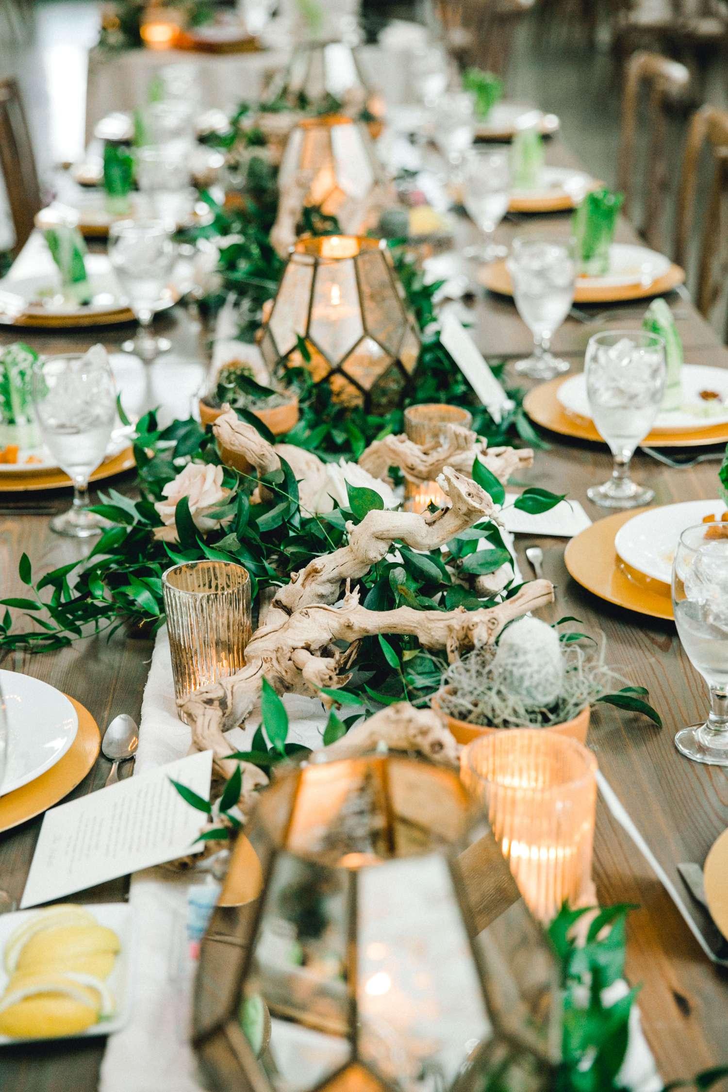 HEBERT_MORGAN_AND_CLAY_ALLEEJ_THE_FARMHOUSE_MONTGOMERY_TEXAS_WEDDING_0124.jpg
