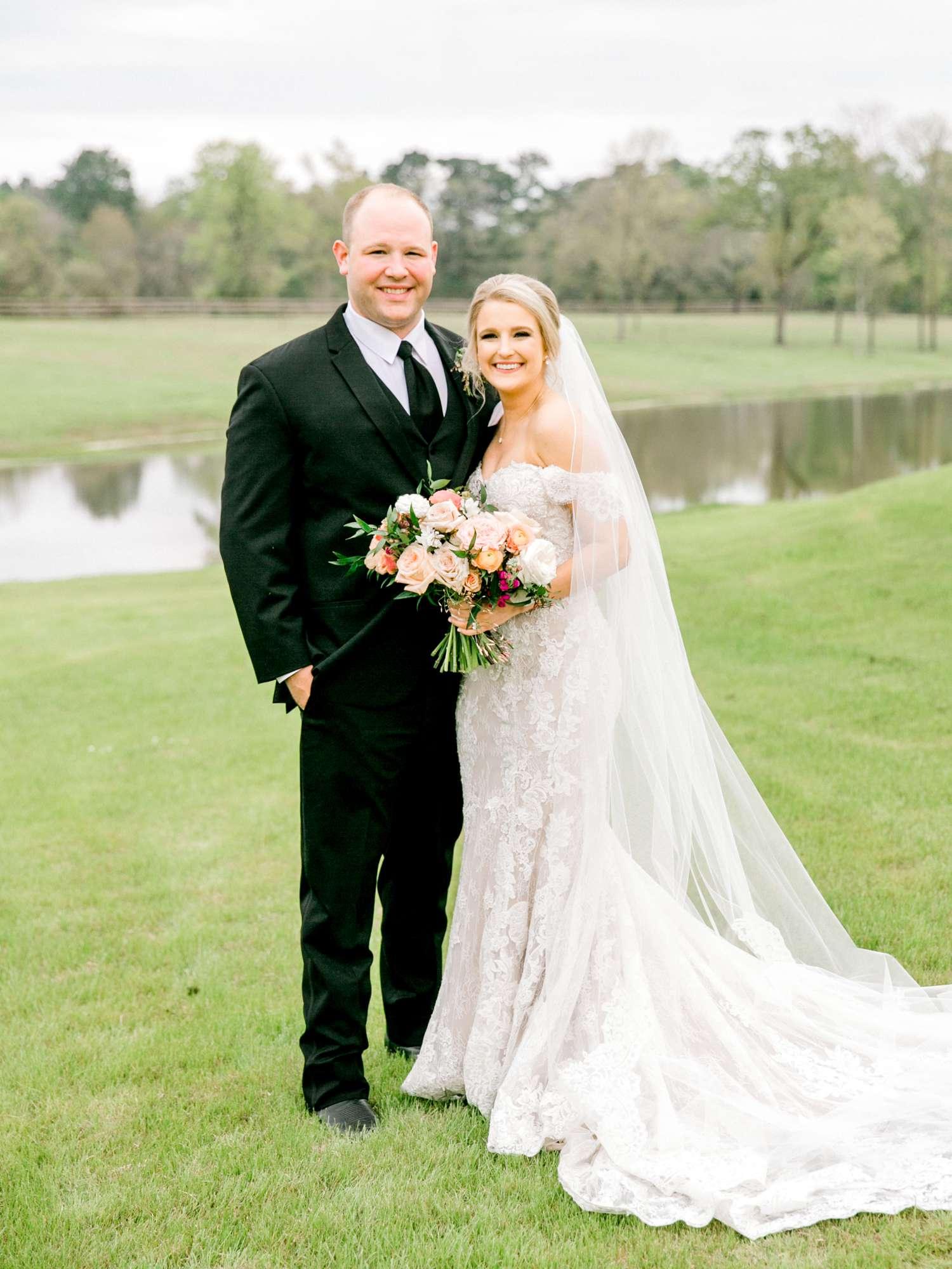 HEBERT_MORGAN_AND_CLAY_ALLEEJ_THE_FARMHOUSE_MONTGOMERY_TEXAS_WEDDING_0131.jpg