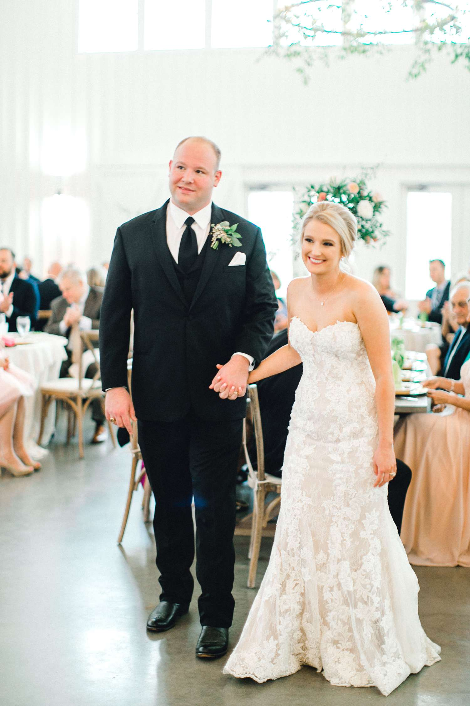 HEBERT_MORGAN_AND_CLAY_ALLEEJ_THE_FARMHOUSE_MONTGOMERY_TEXAS_WEDDING_0186.jpg