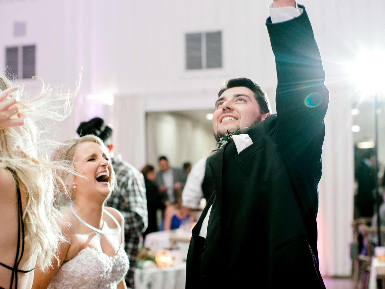 HEBERT_MORGAN_AND_CLAY_ALLEEJ_THE_FARMHOUSE_MONTGOMERY_TEXAS_WEDDING_0224.jpg
