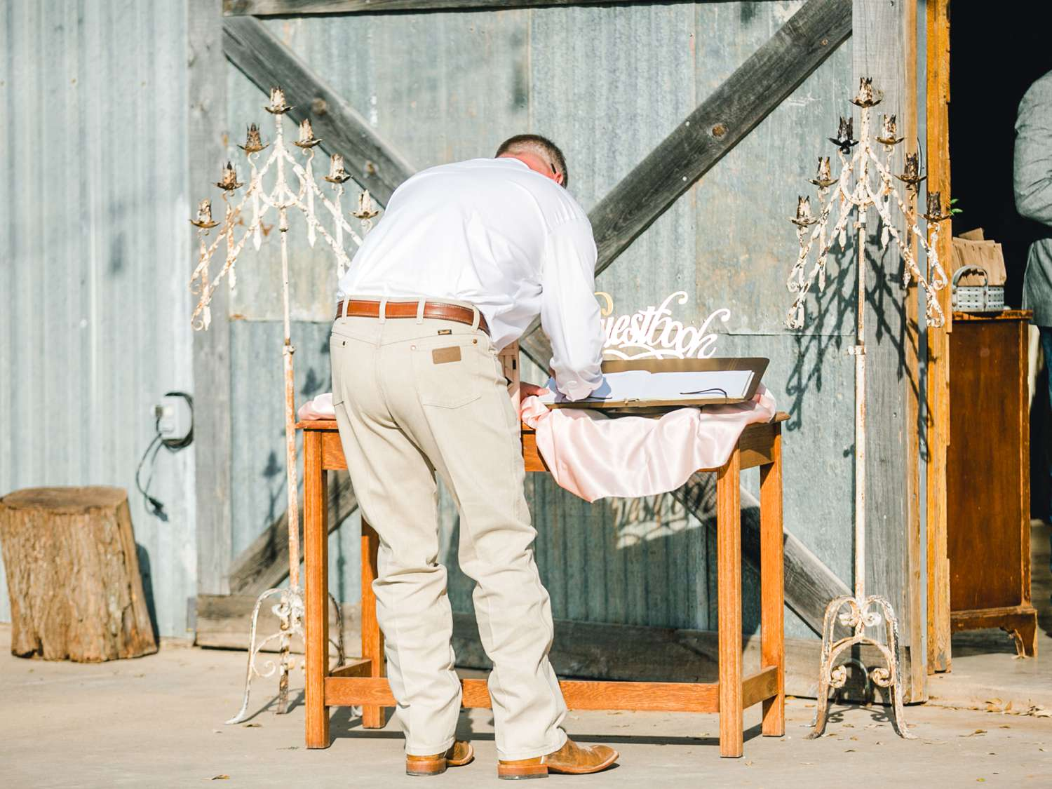 SARAH+TREVOR+BADGETT+SPARROW+CREEK+GRAHAM+TEXAS+ALLEEJ+WEDDINGS_0052.jpg