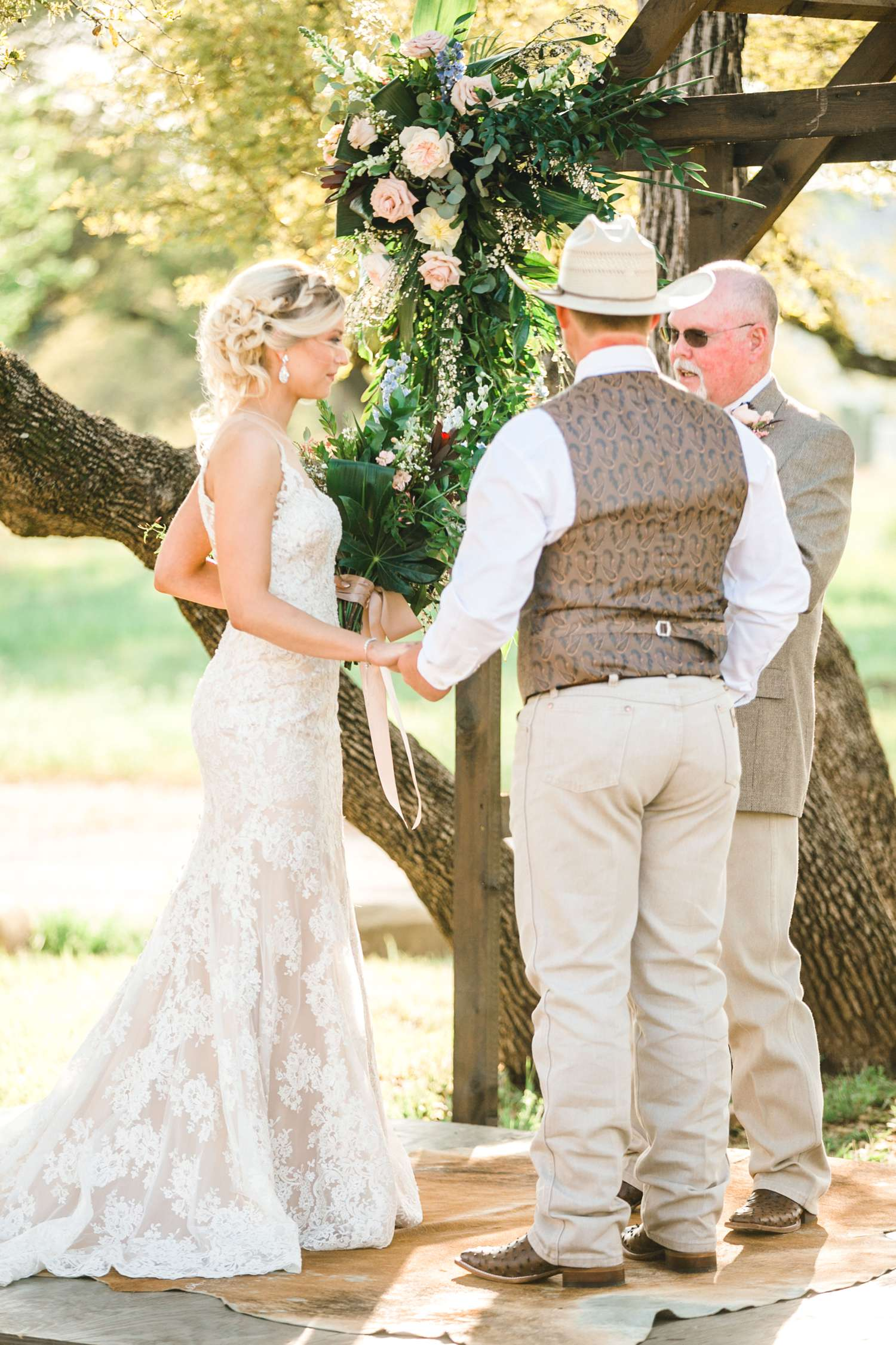 SARAH+TREVOR+BADGETT+SPARROW+CREEK+GRAHAM+TEXAS+ALLEEJ+WEDDINGS_0063.jpg