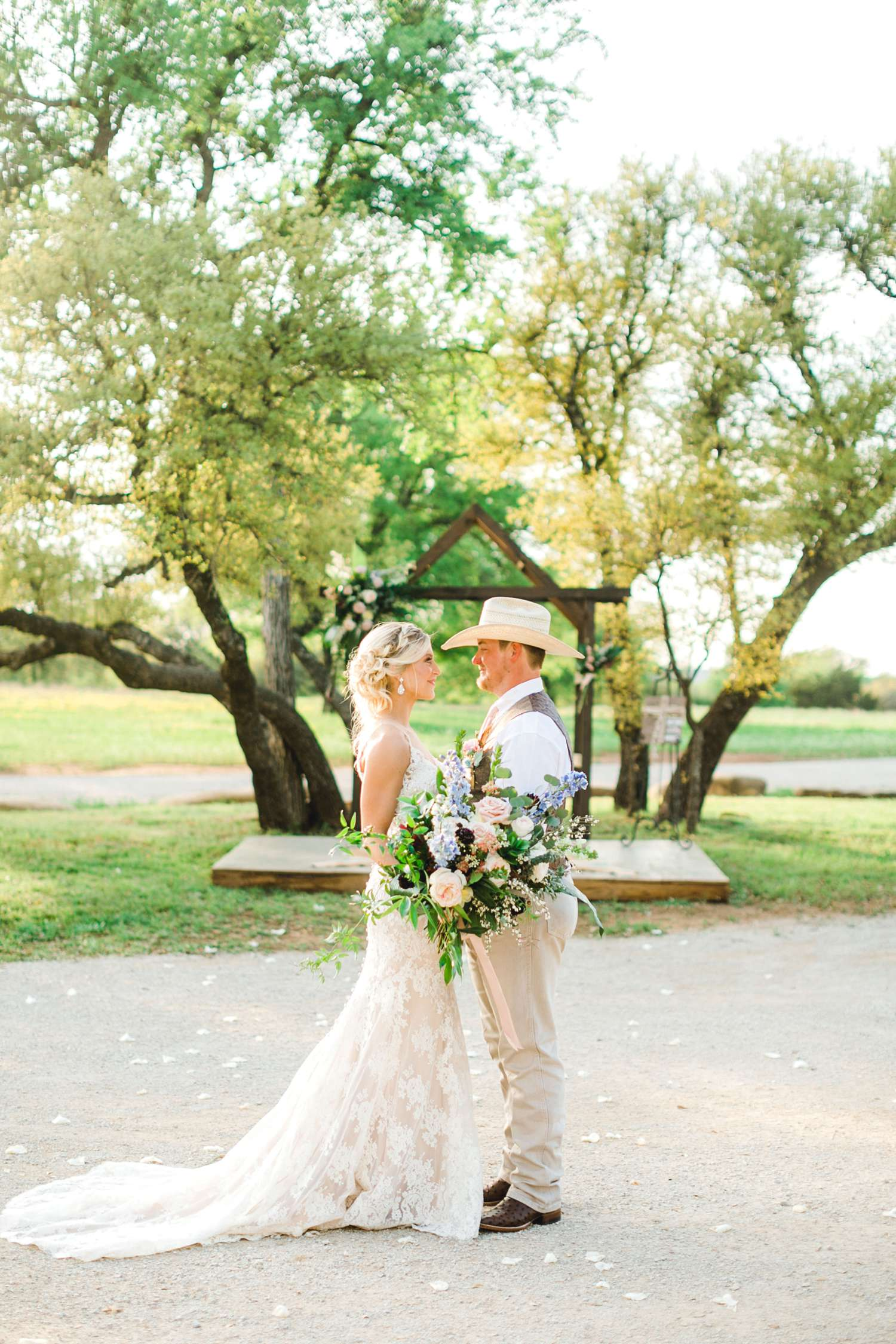 SARAH+TREVOR+BADGETT+SPARROW+CREEK+GRAHAM+TEXAS+ALLEEJ+WEDDINGS_0091.jpg