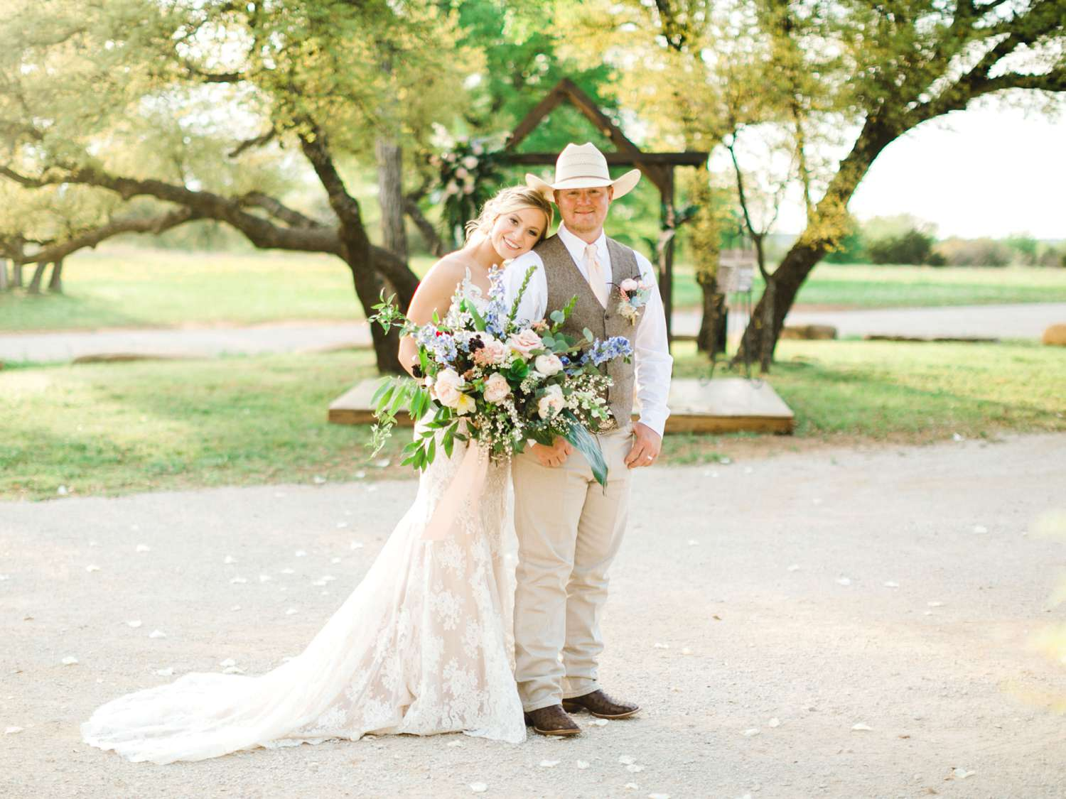 SARAH+TREVOR+BADGETT+SPARROW+CREEK+GRAHAM+TEXAS+ALLEEJ+WEDDINGS_0100.jpg