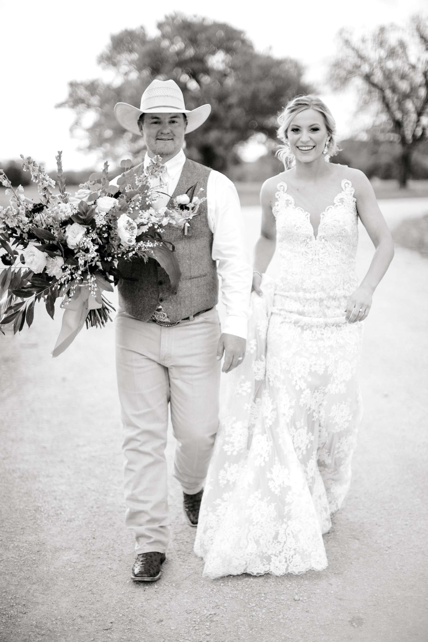 SARAH+TREVOR+BADGETT+SPARROW+CREEK+GRAHAM+TEXAS+ALLEEJ+WEDDINGS_0109.jpg