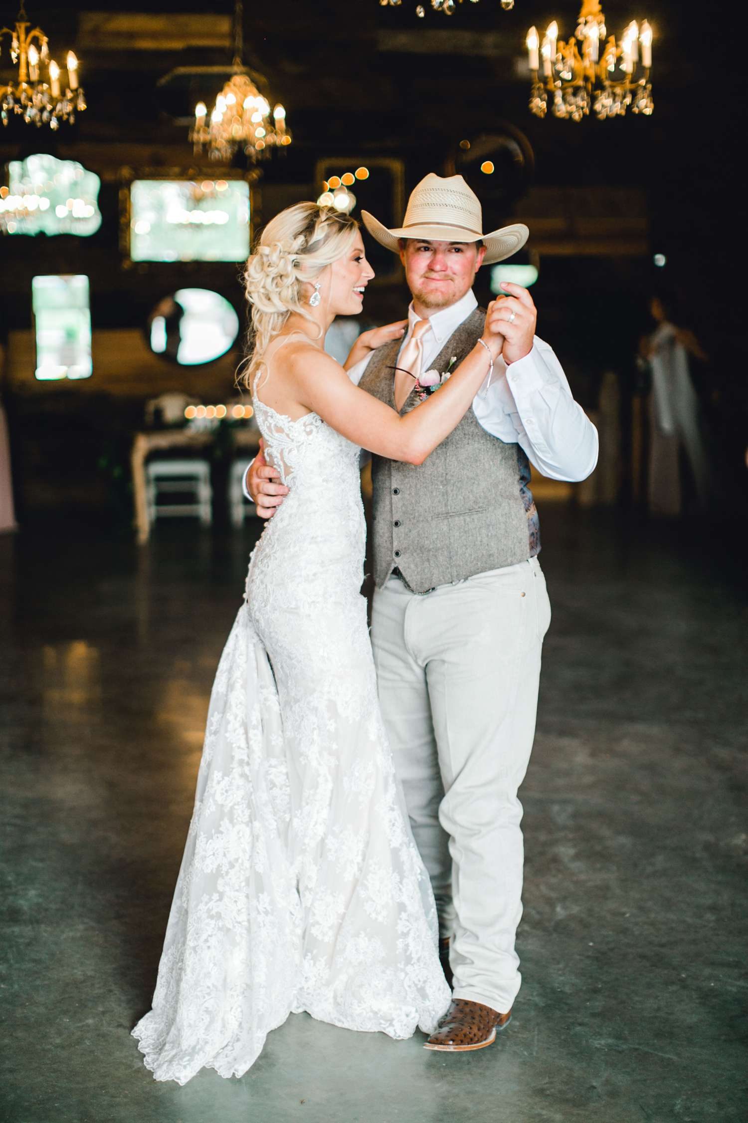 SARAH+TREVOR+BADGETT+SPARROW+CREEK+GRAHAM+TEXAS+ALLEEJ+WEDDINGS_0120.jpg