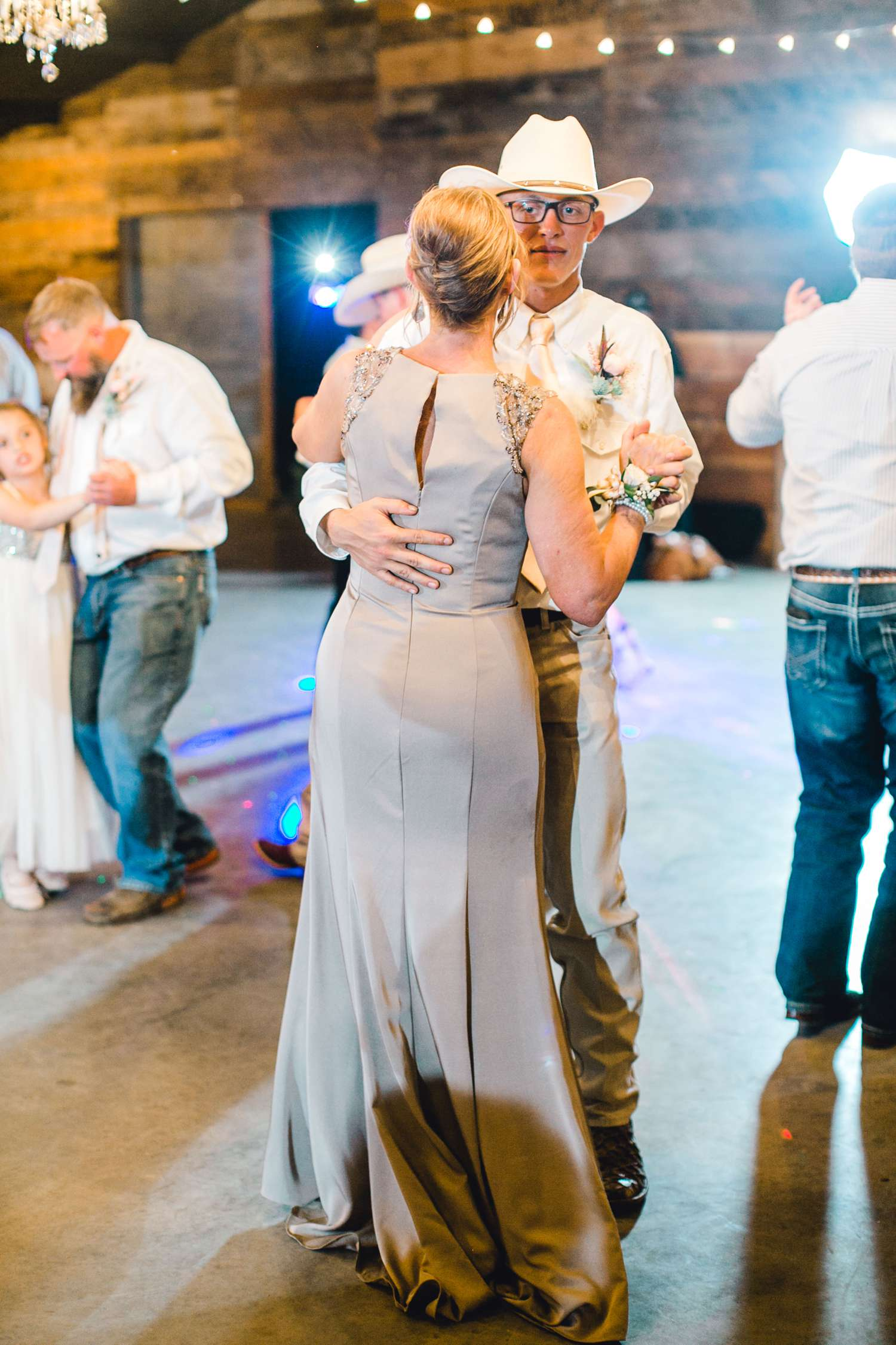 SARAH+TREVOR+BADGETT+SPARROW+CREEK+GRAHAM+TEXAS+ALLEEJ+WEDDINGS_0149.jpg