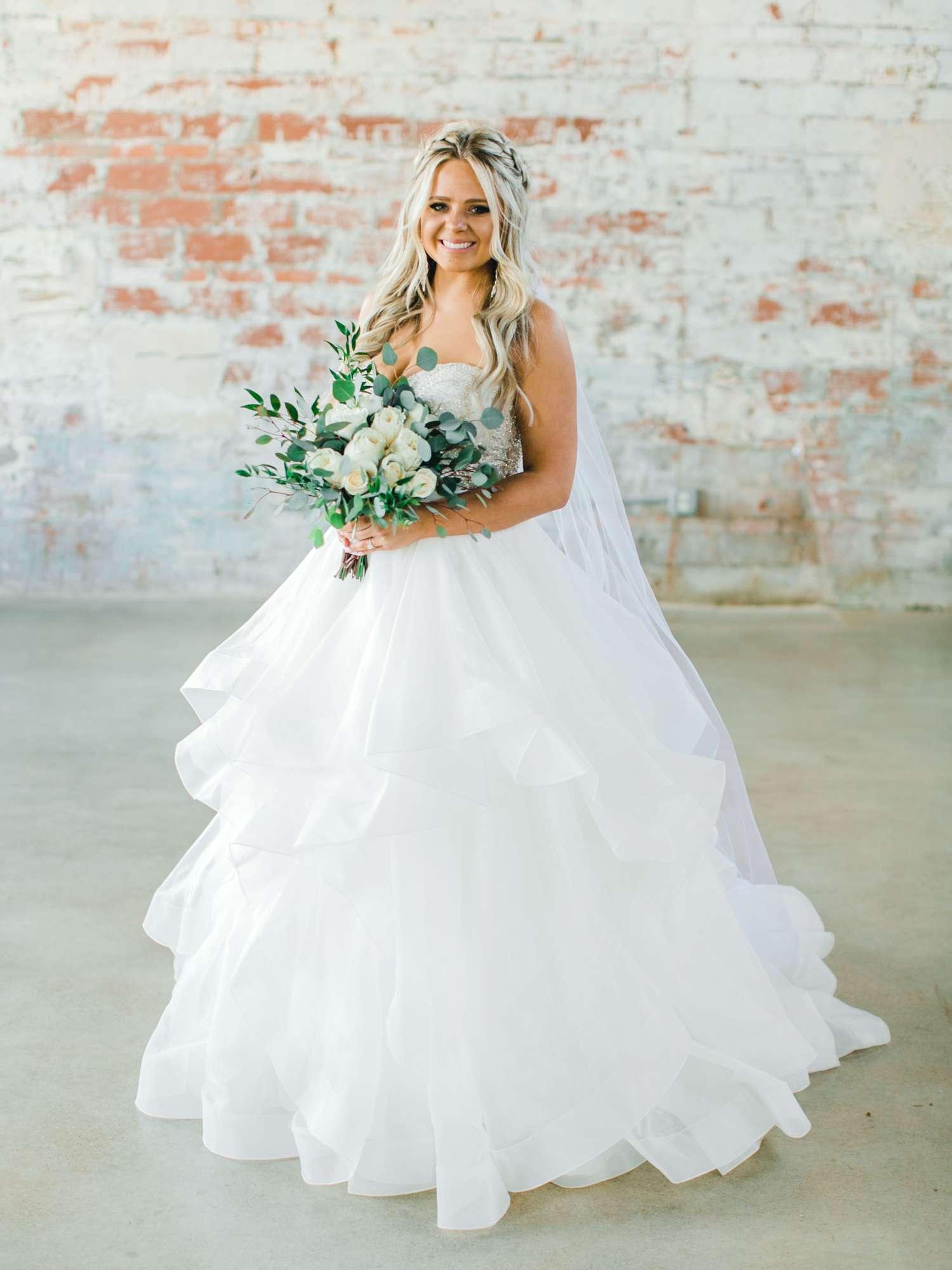 HAYLEE_DAVIS_ALLEEJ_LUBBOCK_WEDDING_PHOTOGRAPHER_BRIDALS_0001.jpg