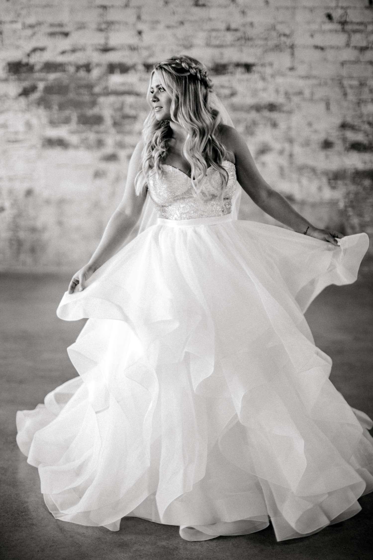 HAYLEE_DAVIS_ALLEEJ_LUBBOCK_WEDDING_PHOTOGRAPHER_BRIDALS_0003.jpg