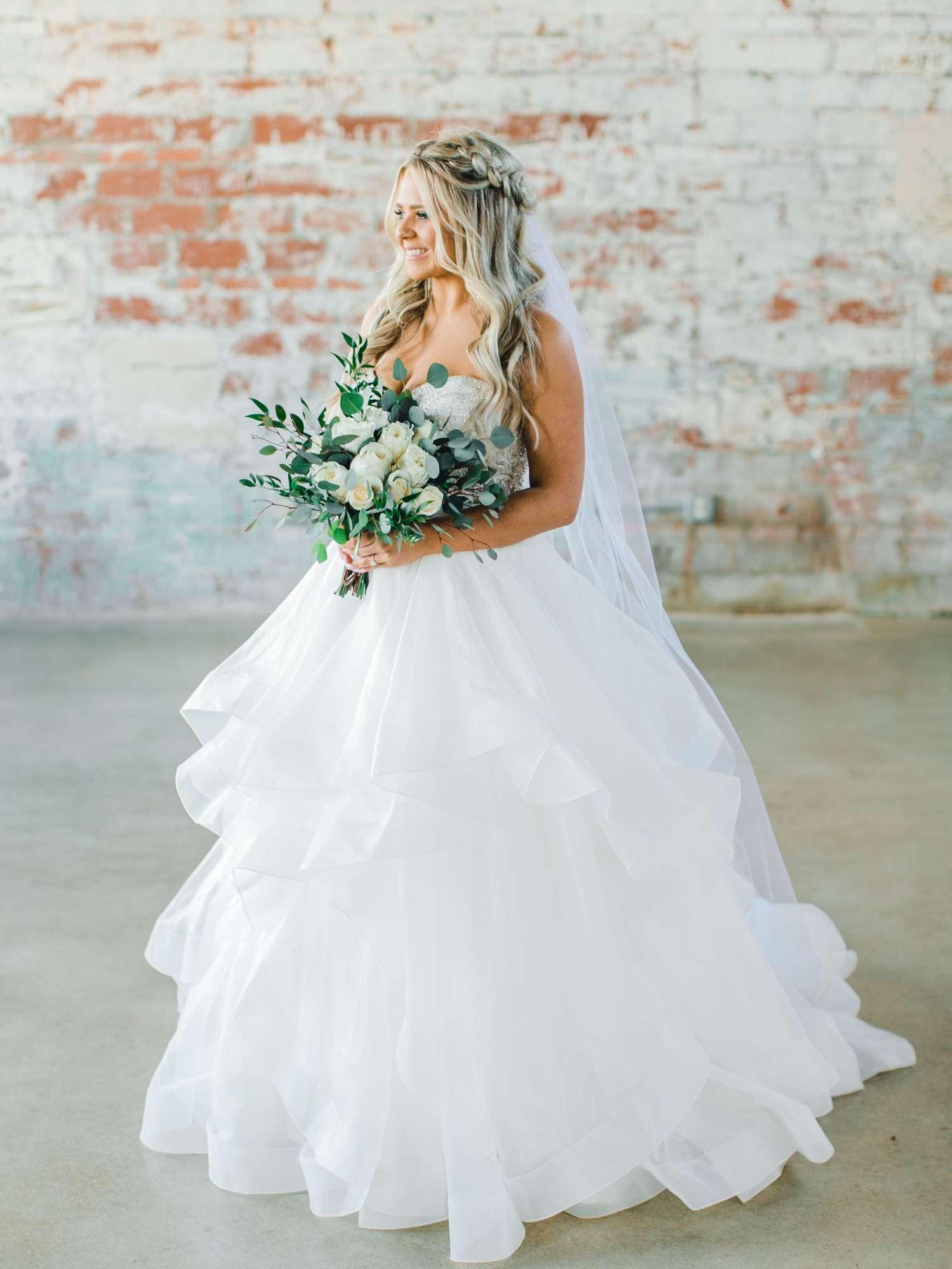 HAYLEE_DAVIS_ALLEEJ_LUBBOCK_WEDDING_PHOTOGRAPHER_BRIDALS_0005.jpg